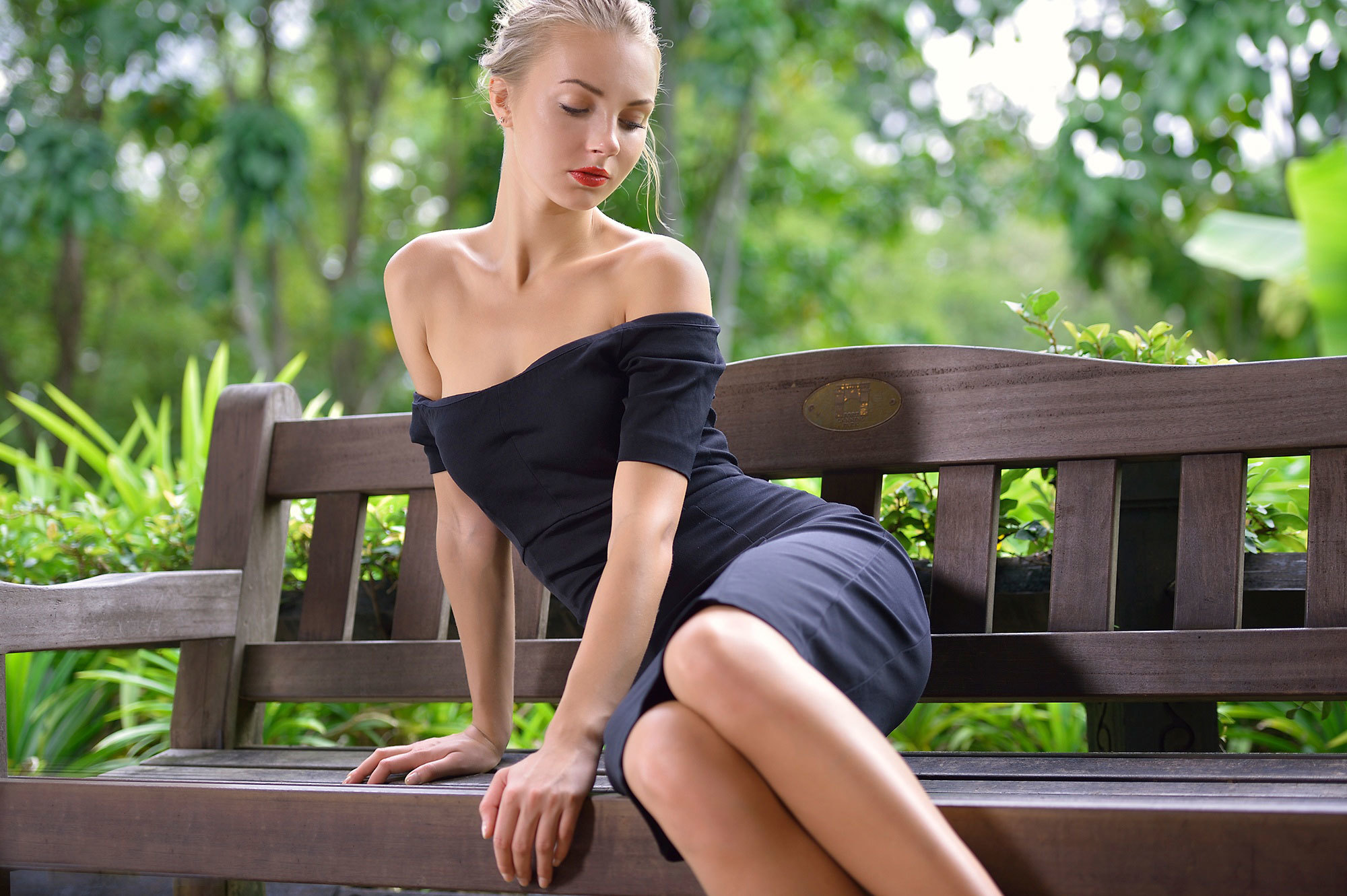 morgan-blonde-girls-dress