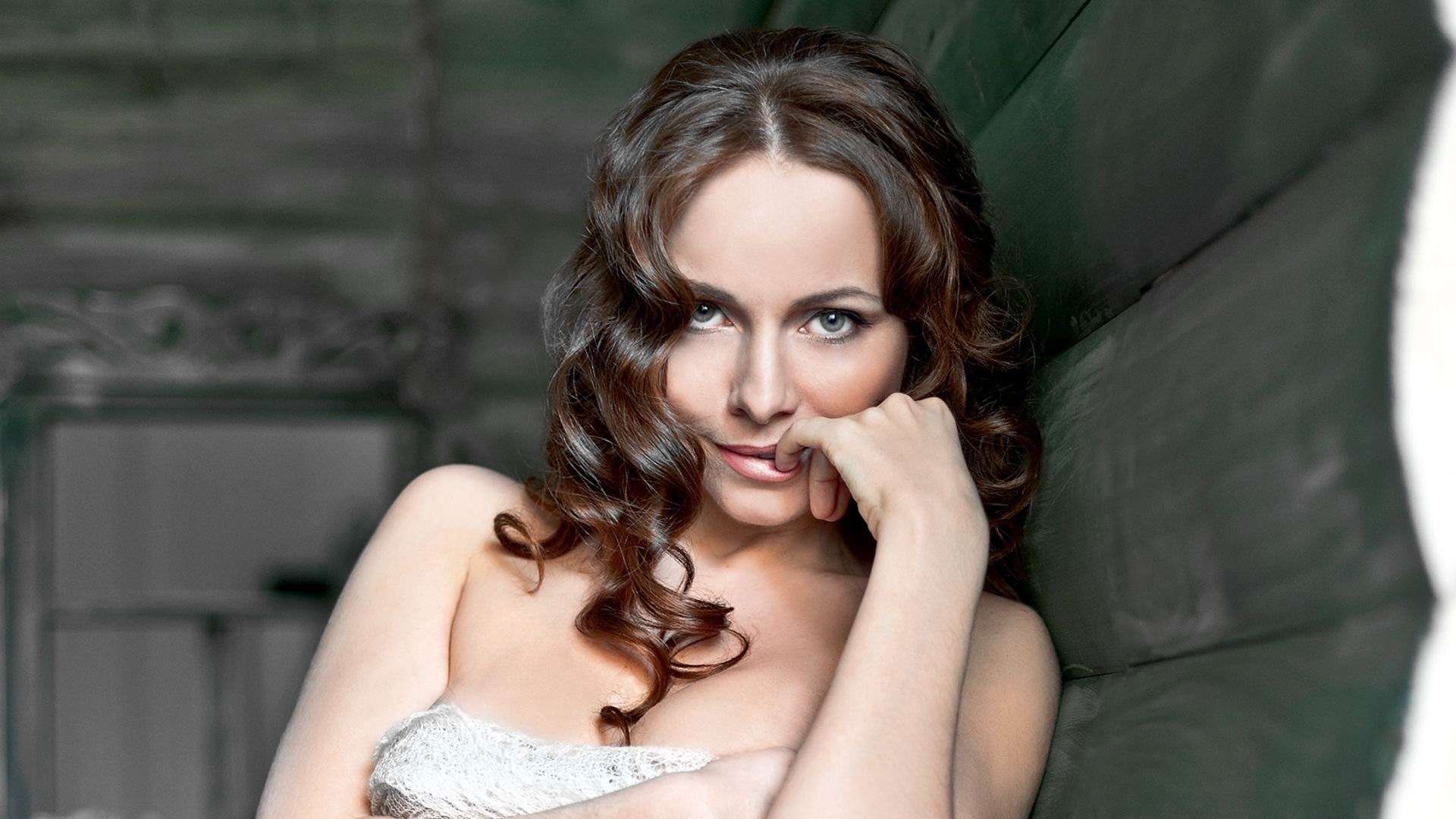 skandalnie-golie-foto-ekaterini-kati-gusevoy