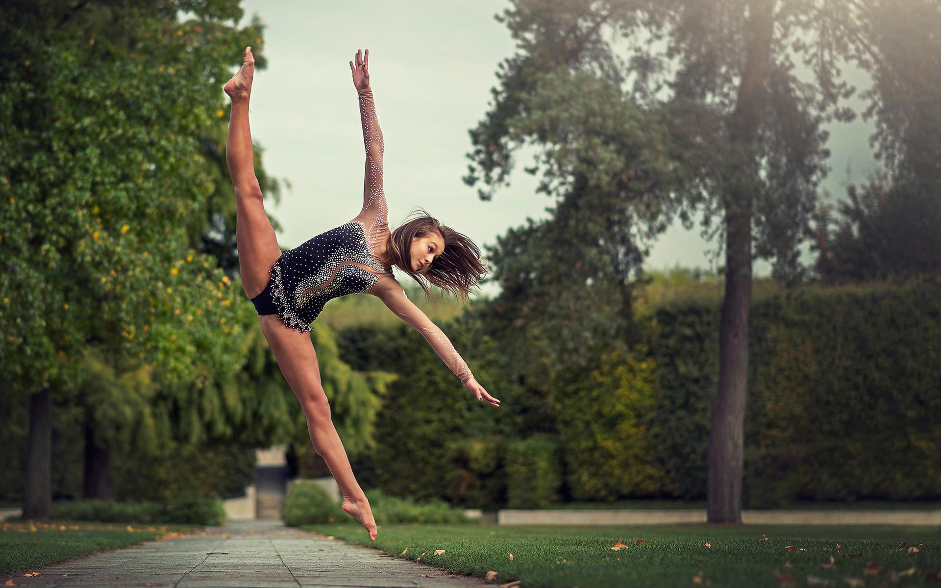 sport-gimnastka-na-shpagate-foto-pornoaktrisa-yana-lukashenko