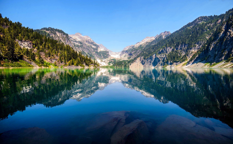 Голубое озеро в горах  № 2798846 загрузить
