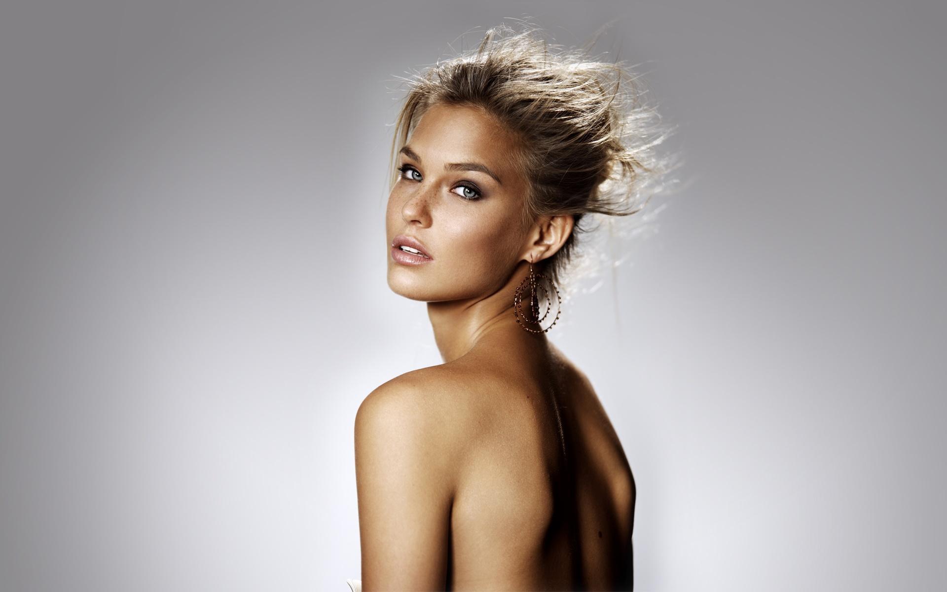 Фото оголенных модели, Голые модели - ню фото голых моделей 24 фотография