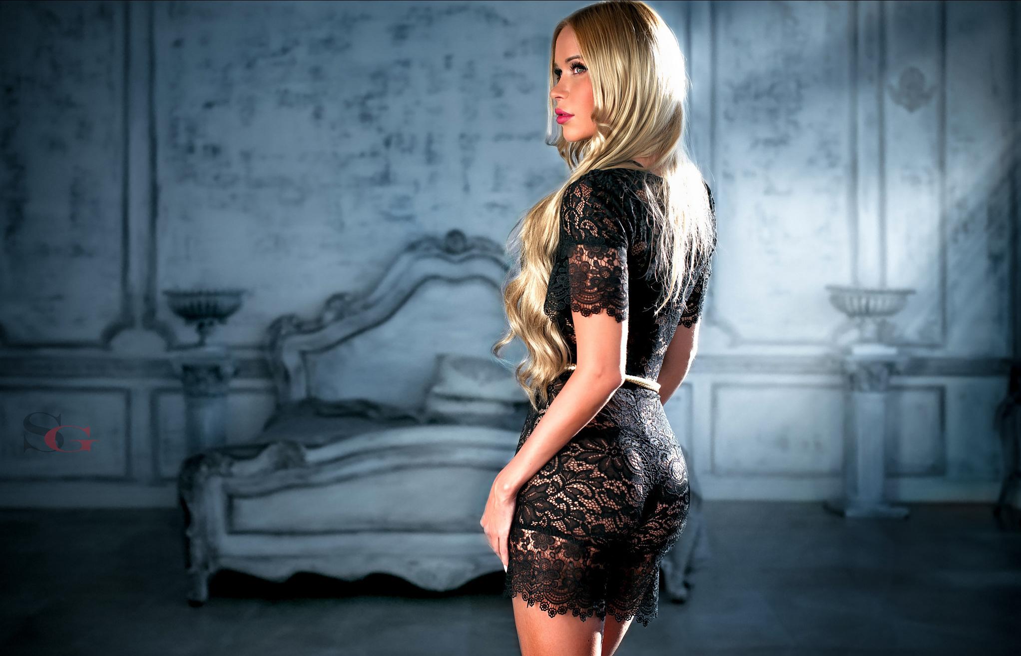 Красивая блондинка в прозрачном платье, самые жаркие секс ролики