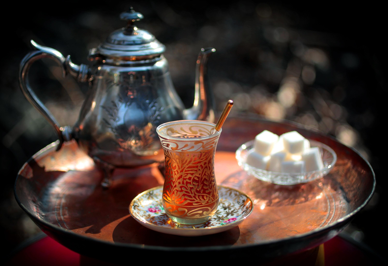 хлеб чай кружка чайник масло  № 2118828  скачать