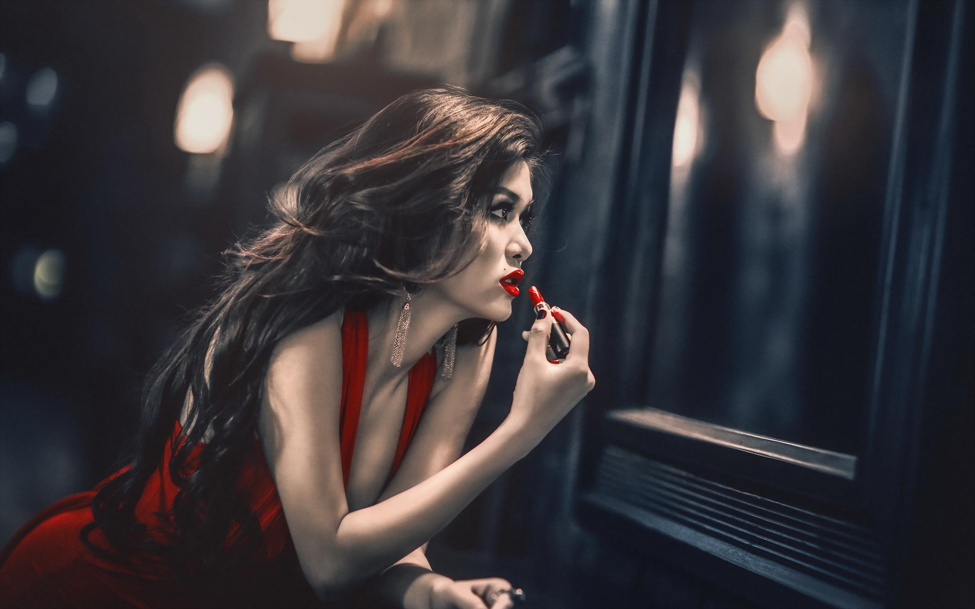 Картинка девочка с красными губами