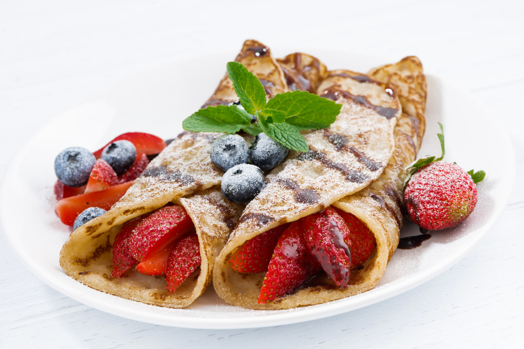 pancakes with strawberries - HD2048×1367