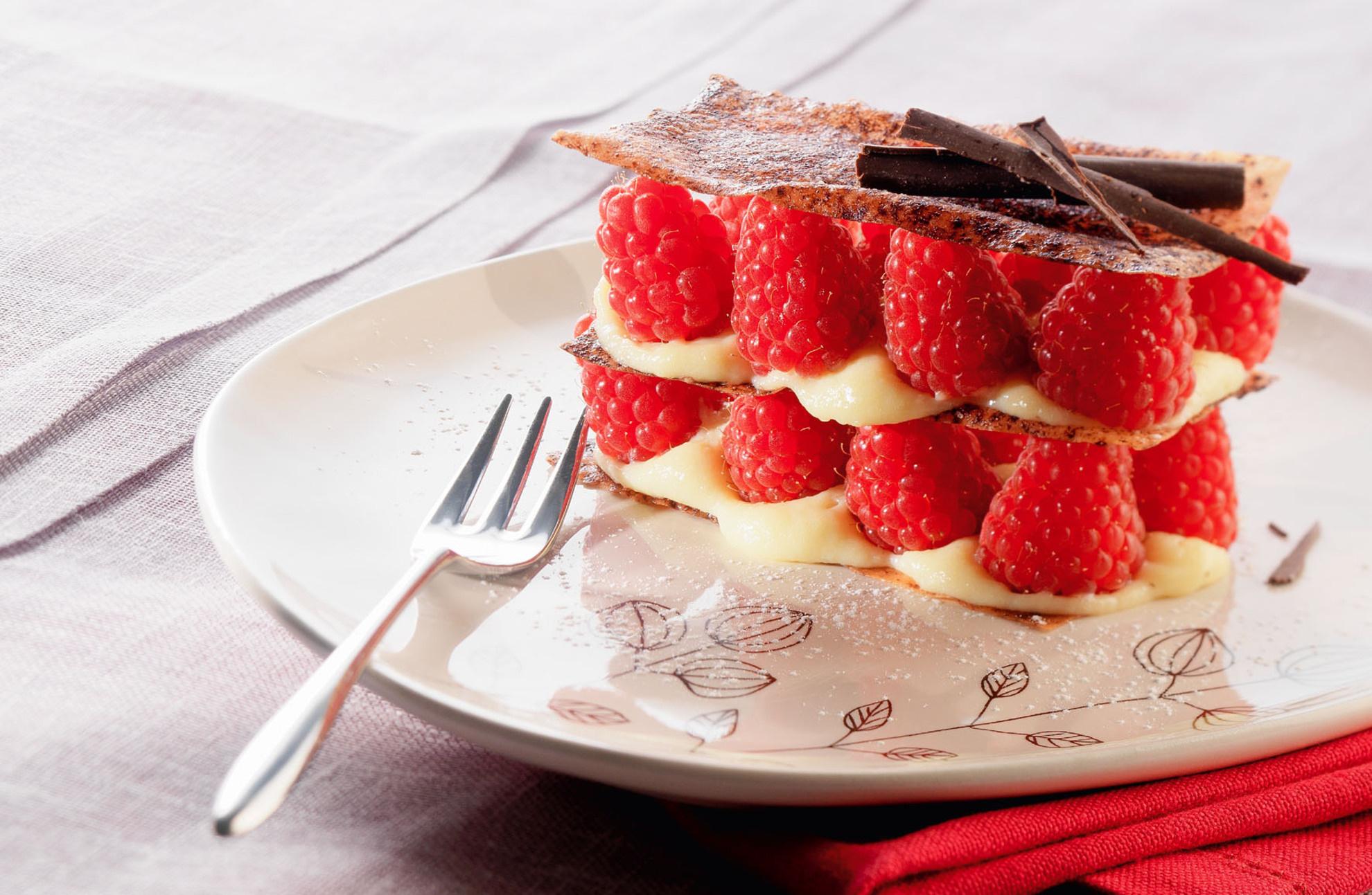 пирожное с малиной без смс