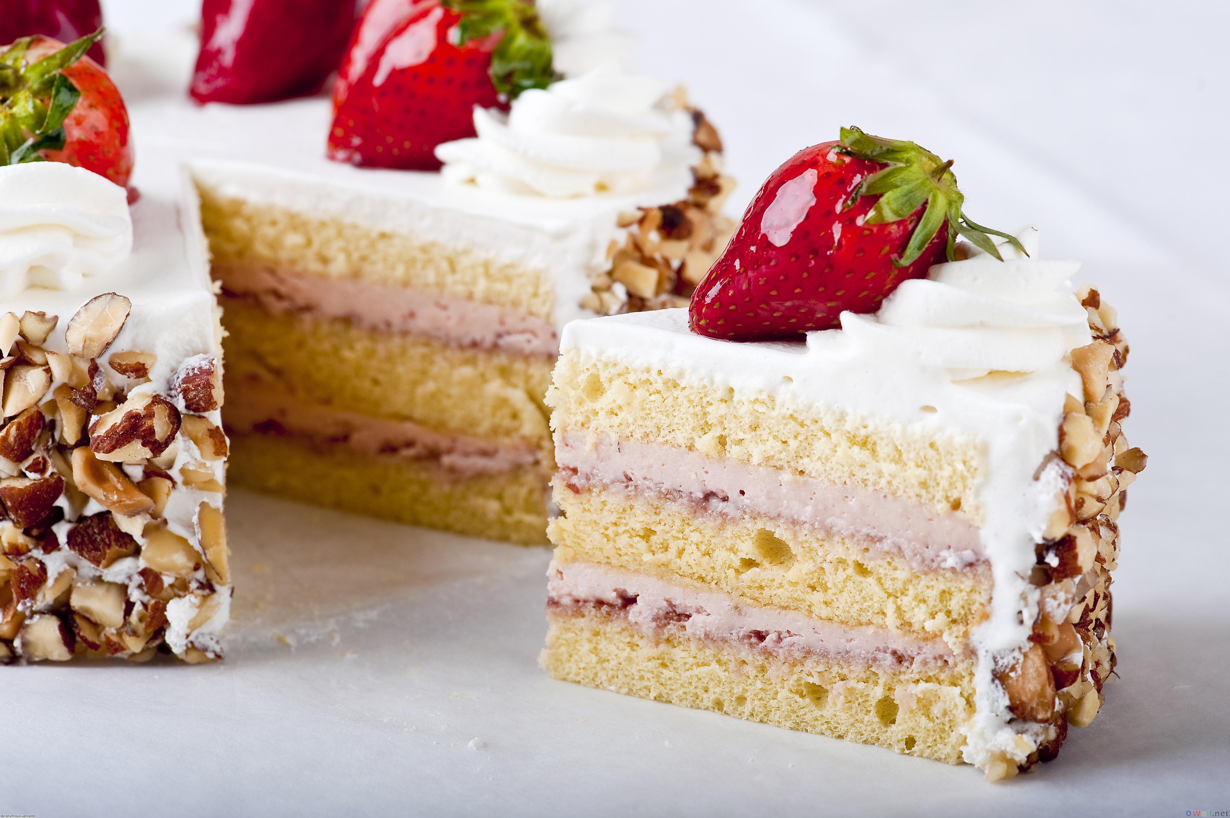 Кусок торта со свечей  № 2184003 без смс
