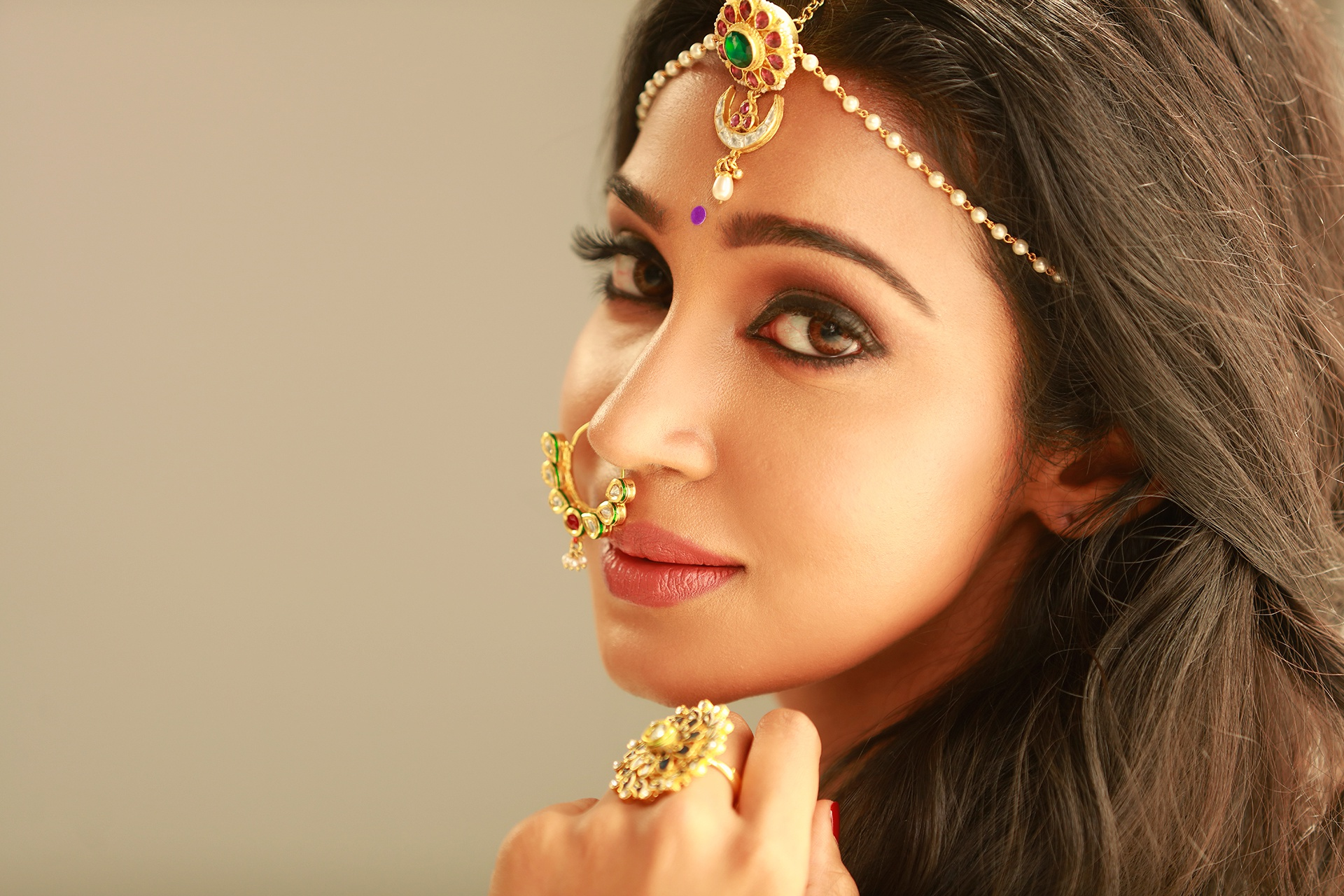 Индийские девушки картинки, поздравление