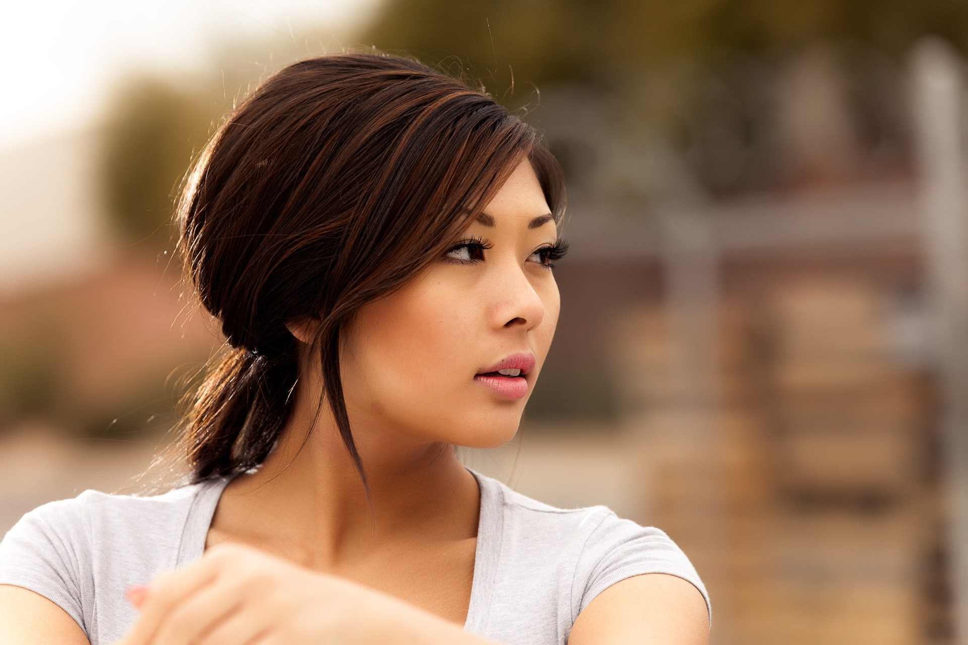 asian-woman-face-down