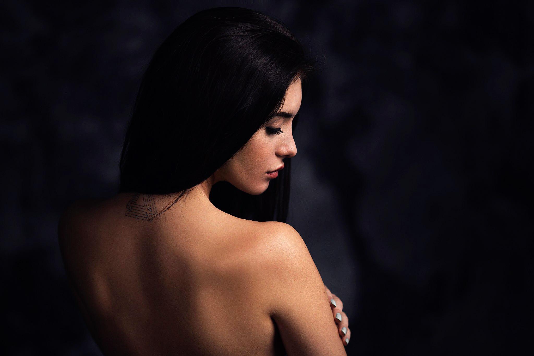 Онлайн фото со спины девушек брюнеток домохозяйка японка фильм