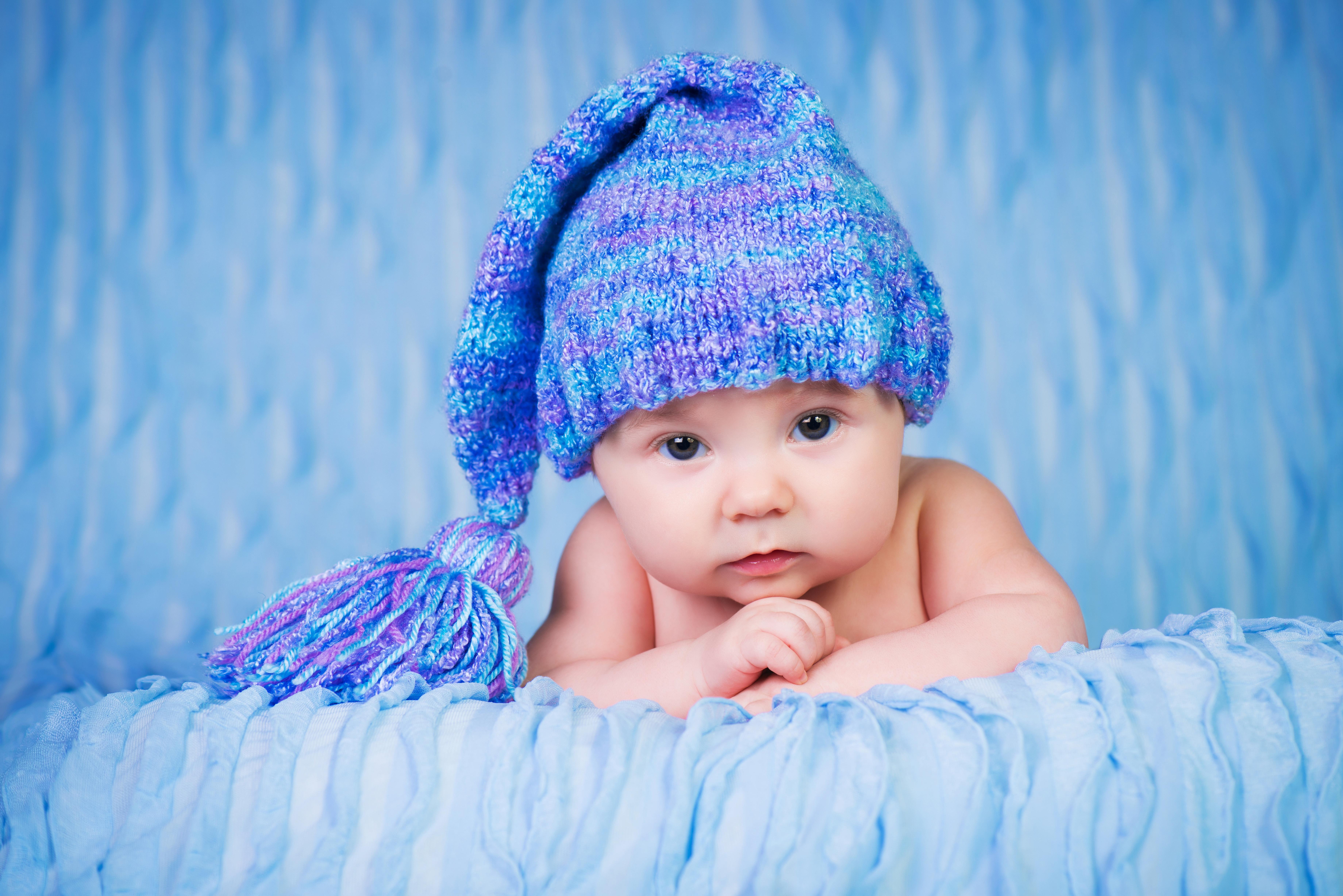 Девочка в вязаной шапочке  № 1821985 загрузить