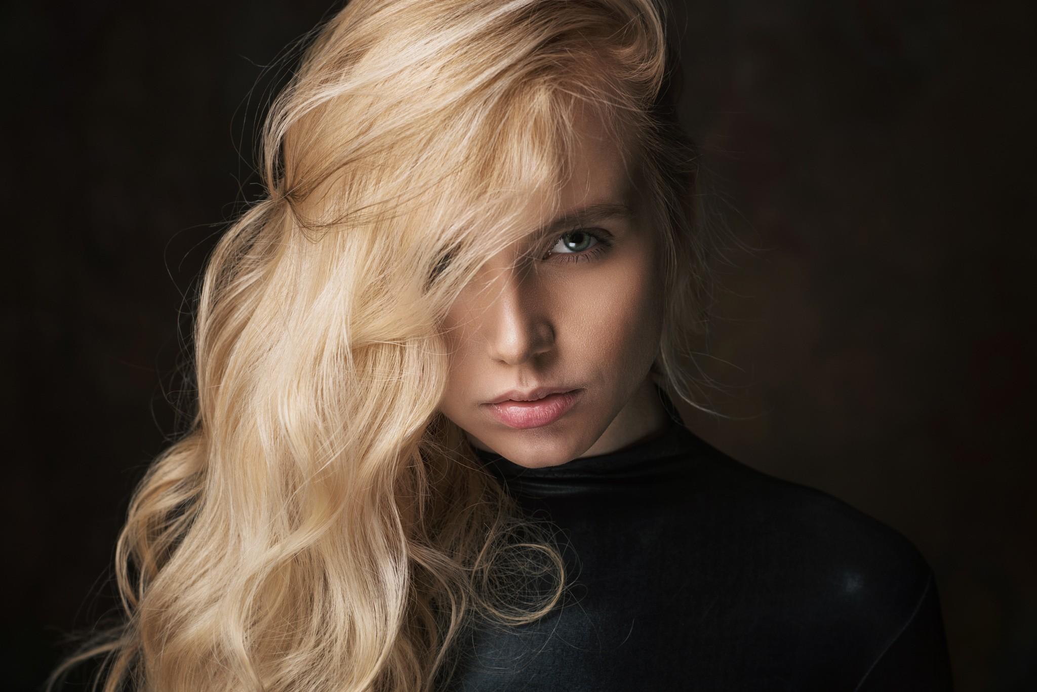 Blonde haired girl, ravens porn pics