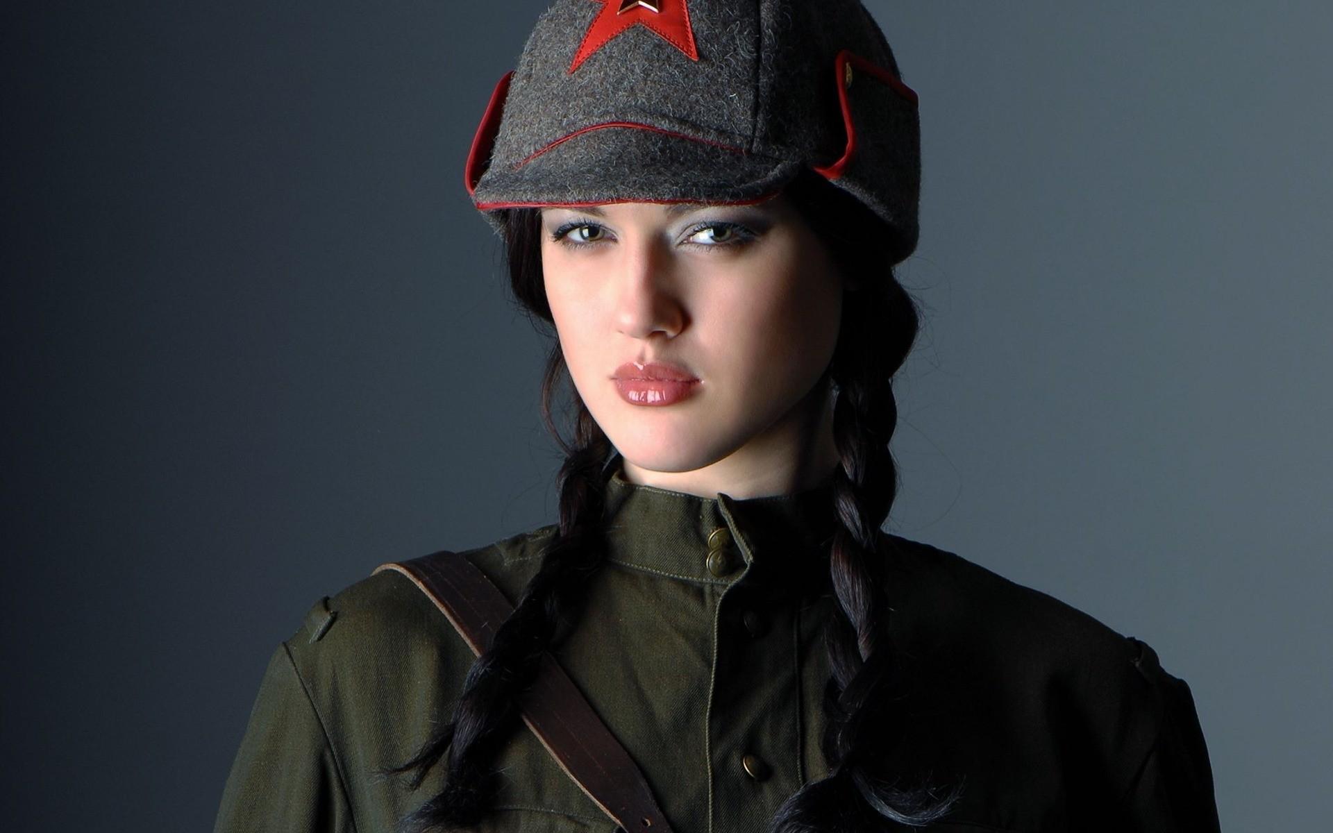 ласки красивый девки в военной форме мужчина создан