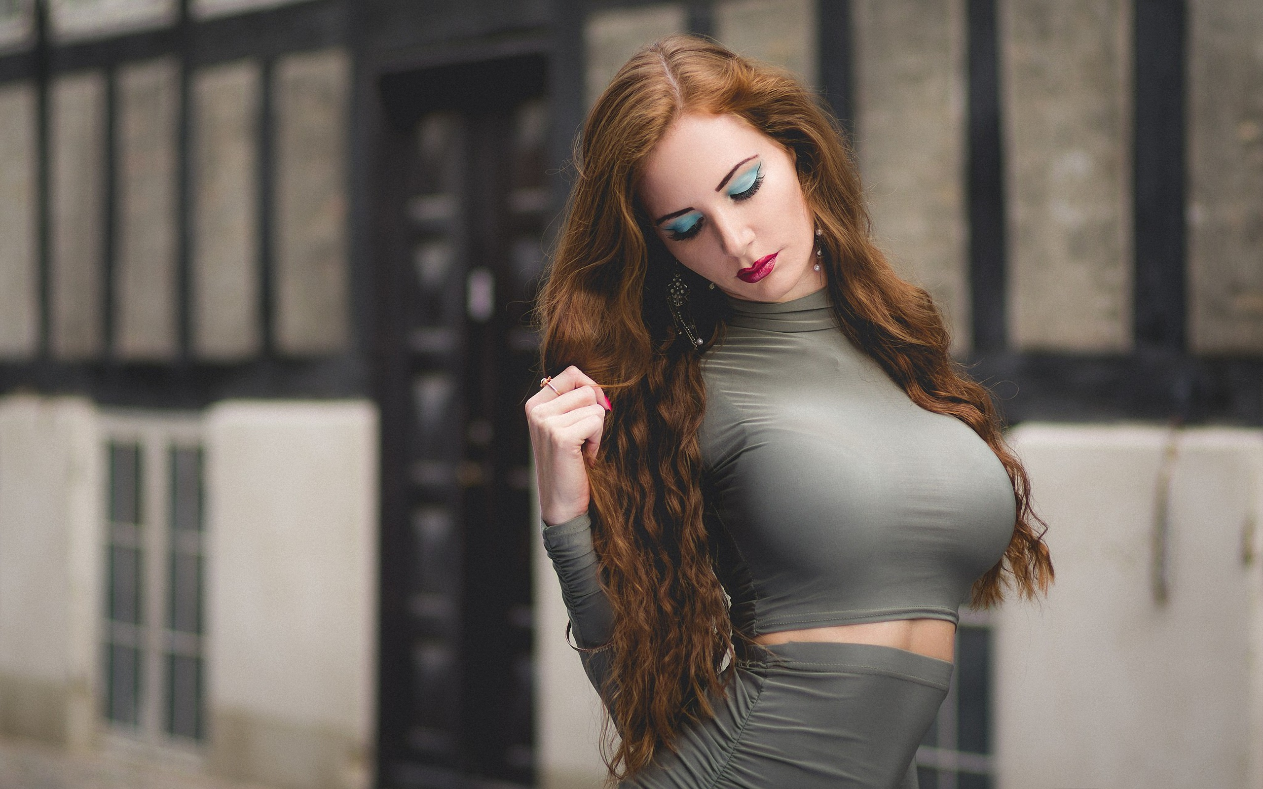 девушки модели с большой грудью сильный