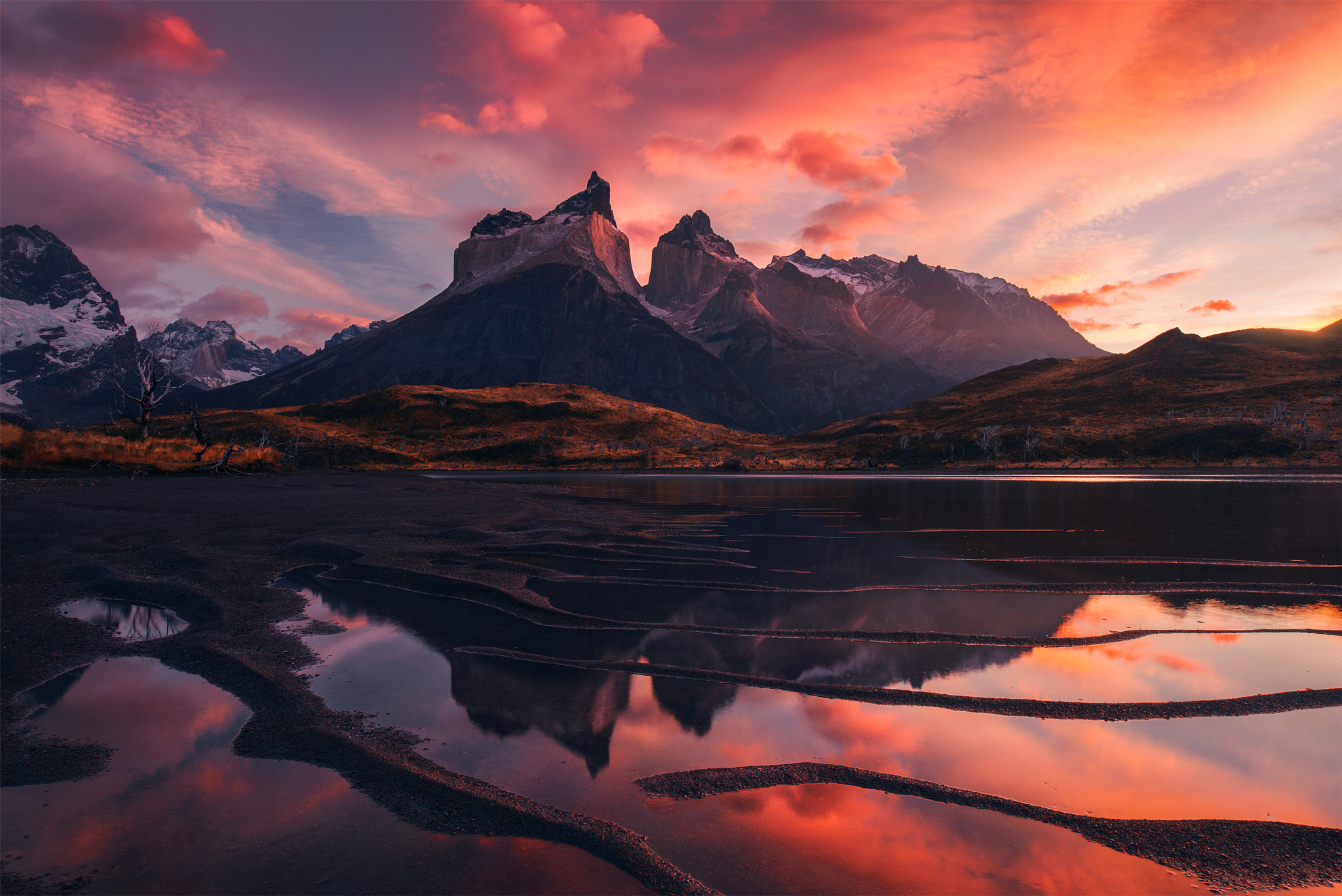 розовый закат, море, горы  № 3110205 без смс