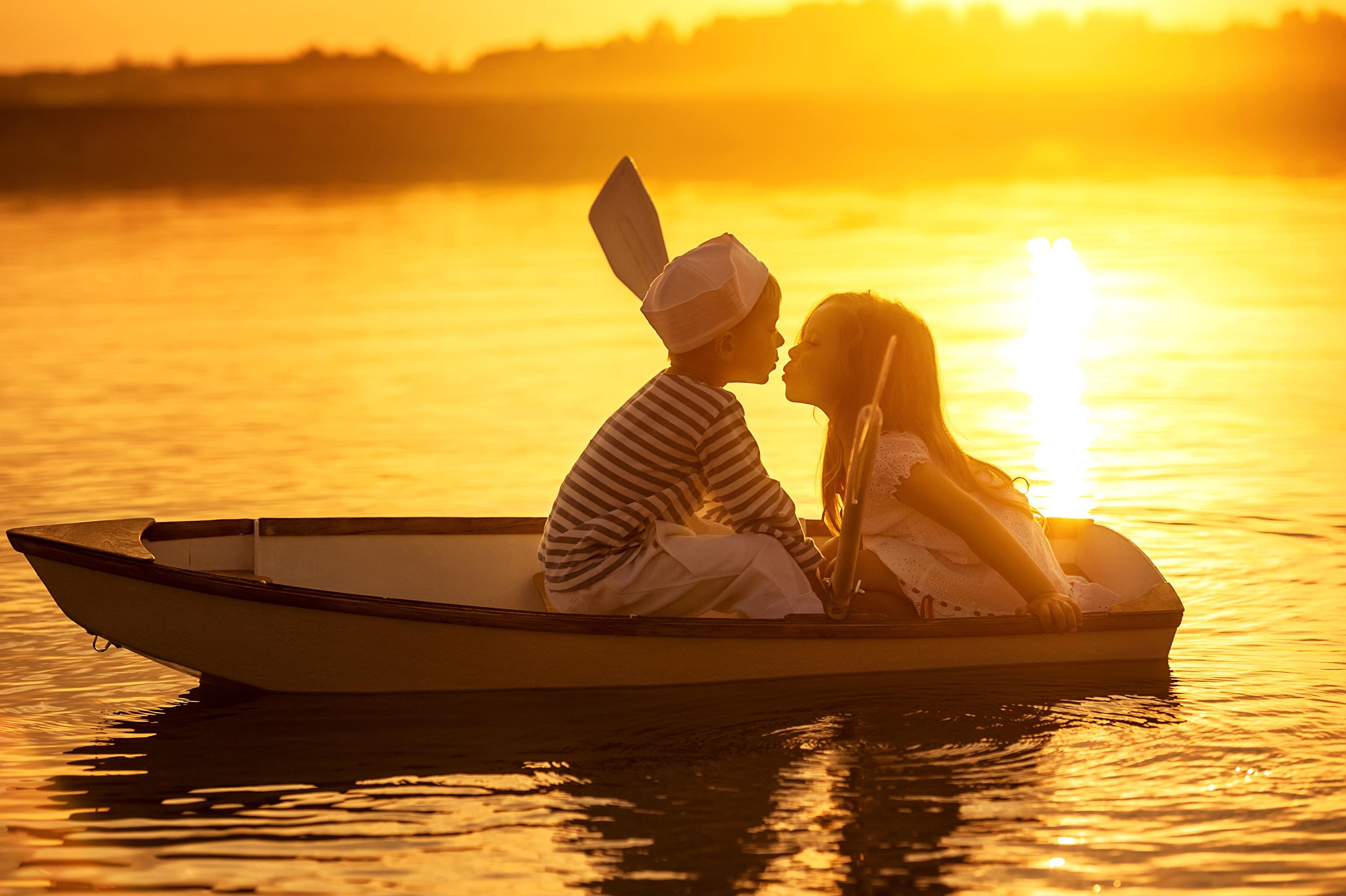 двое на лодке картинки думала, что концу
