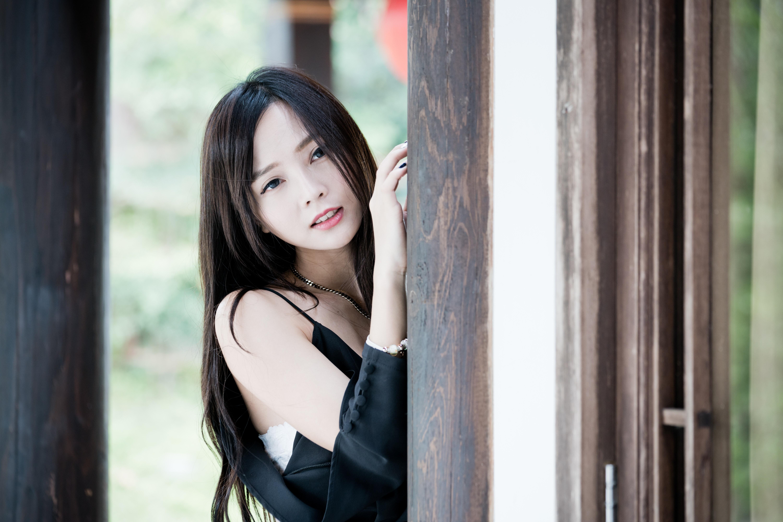 Coloured asian girl, sexy dick licker