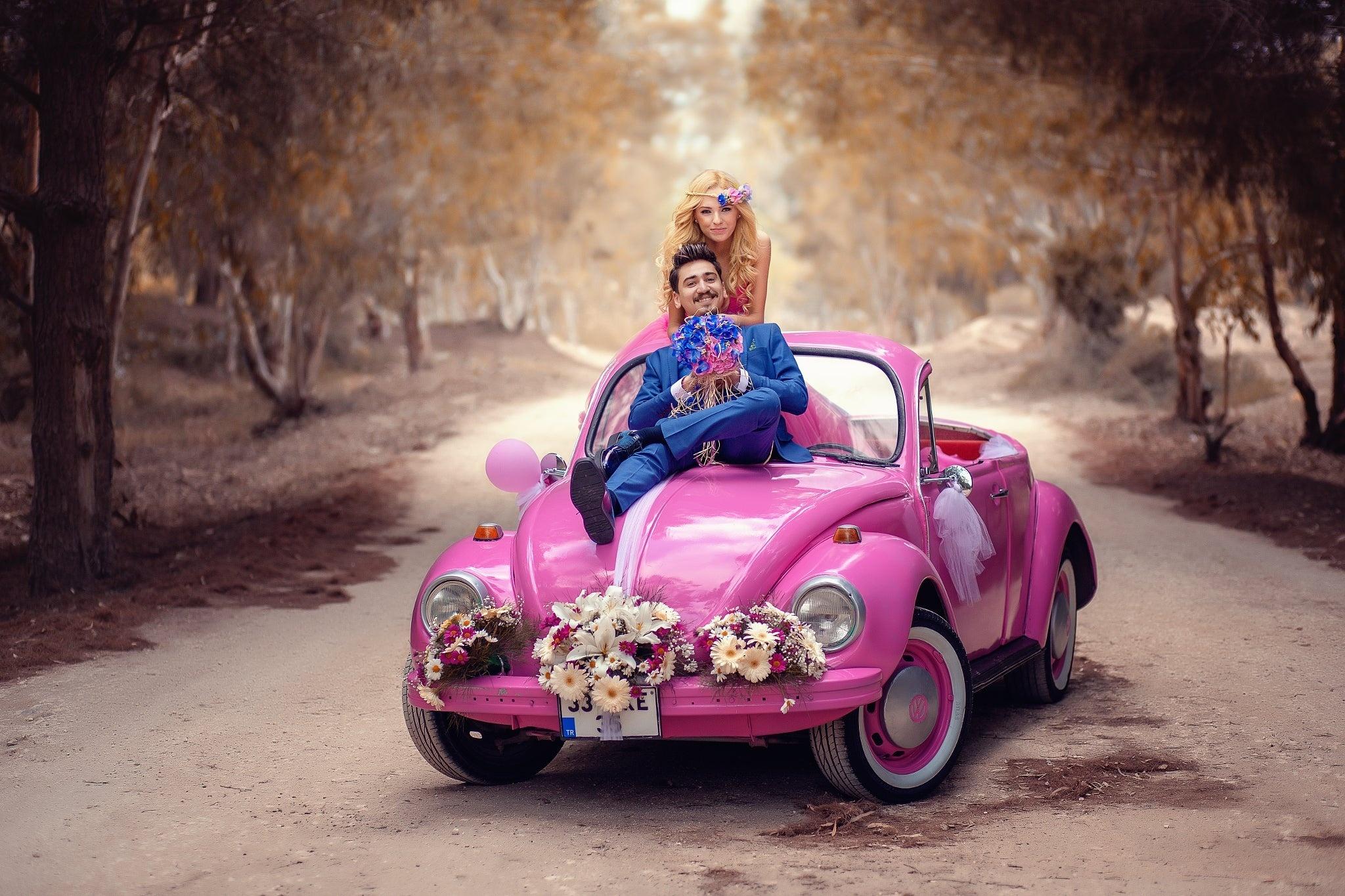 Картинки, девушка на машине открытка