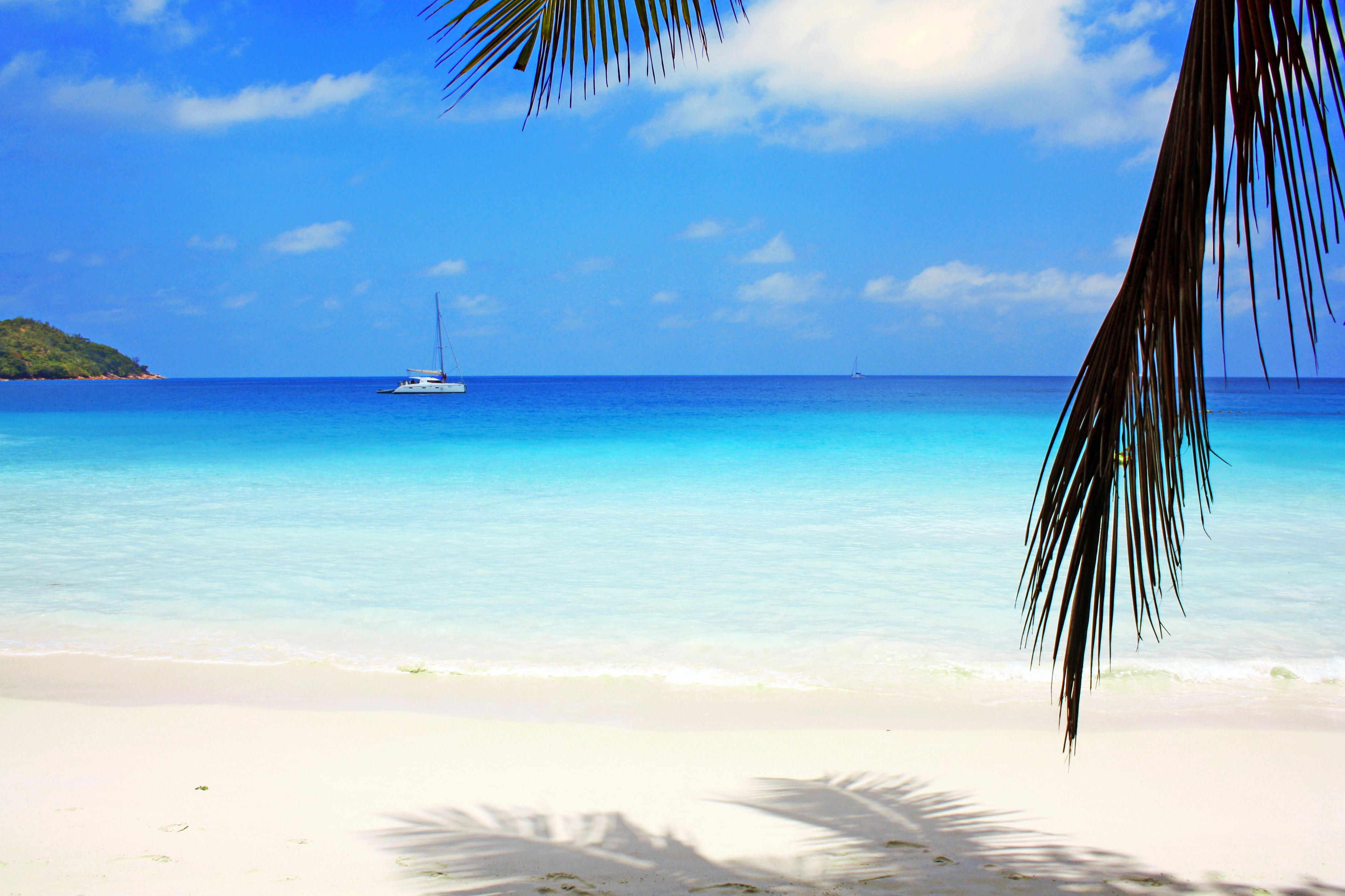 Остров в море без смс