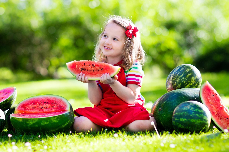 Открытками вербным, веселые картинки дети летом