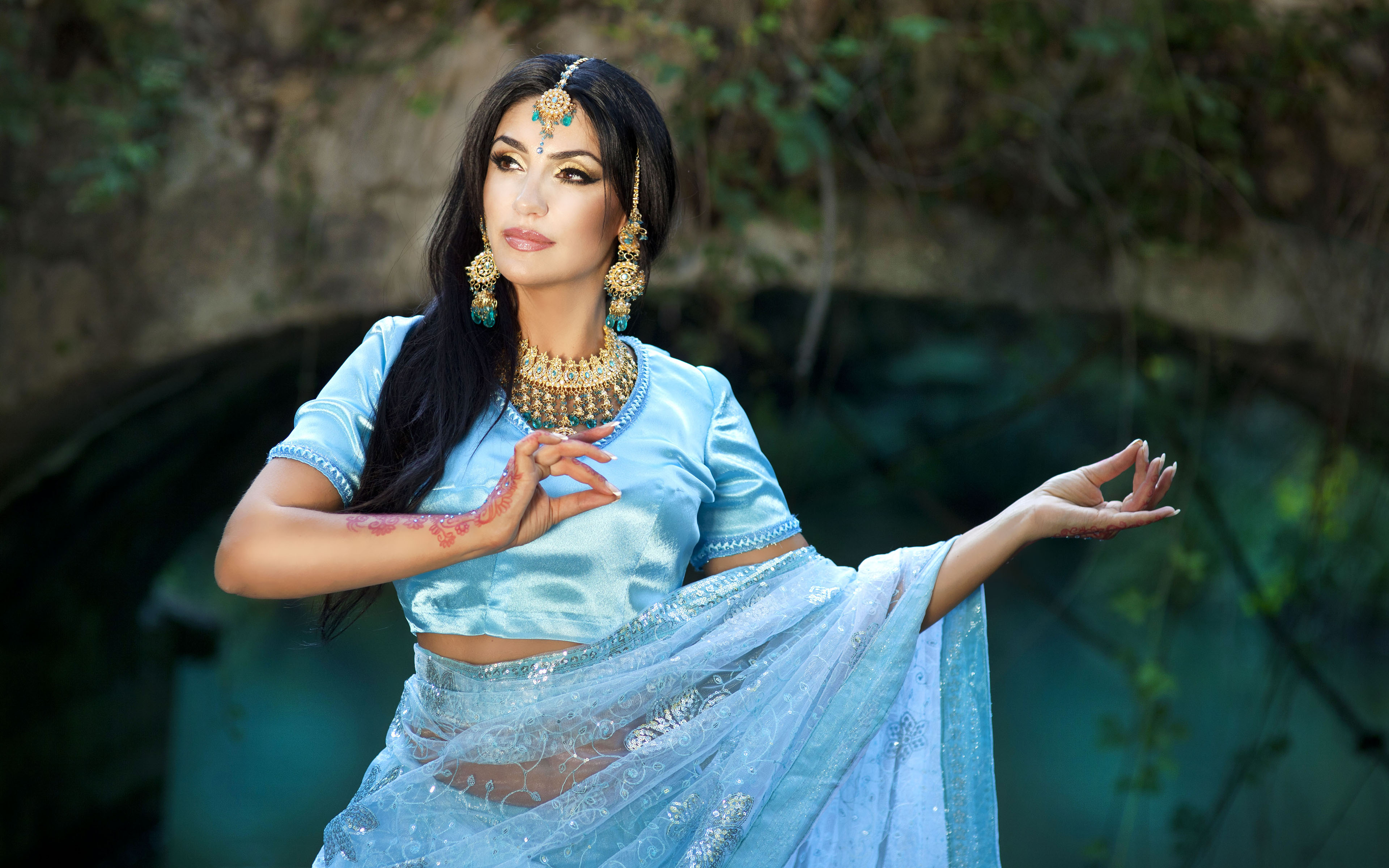 indiyskie-zhenshini-na-prirode