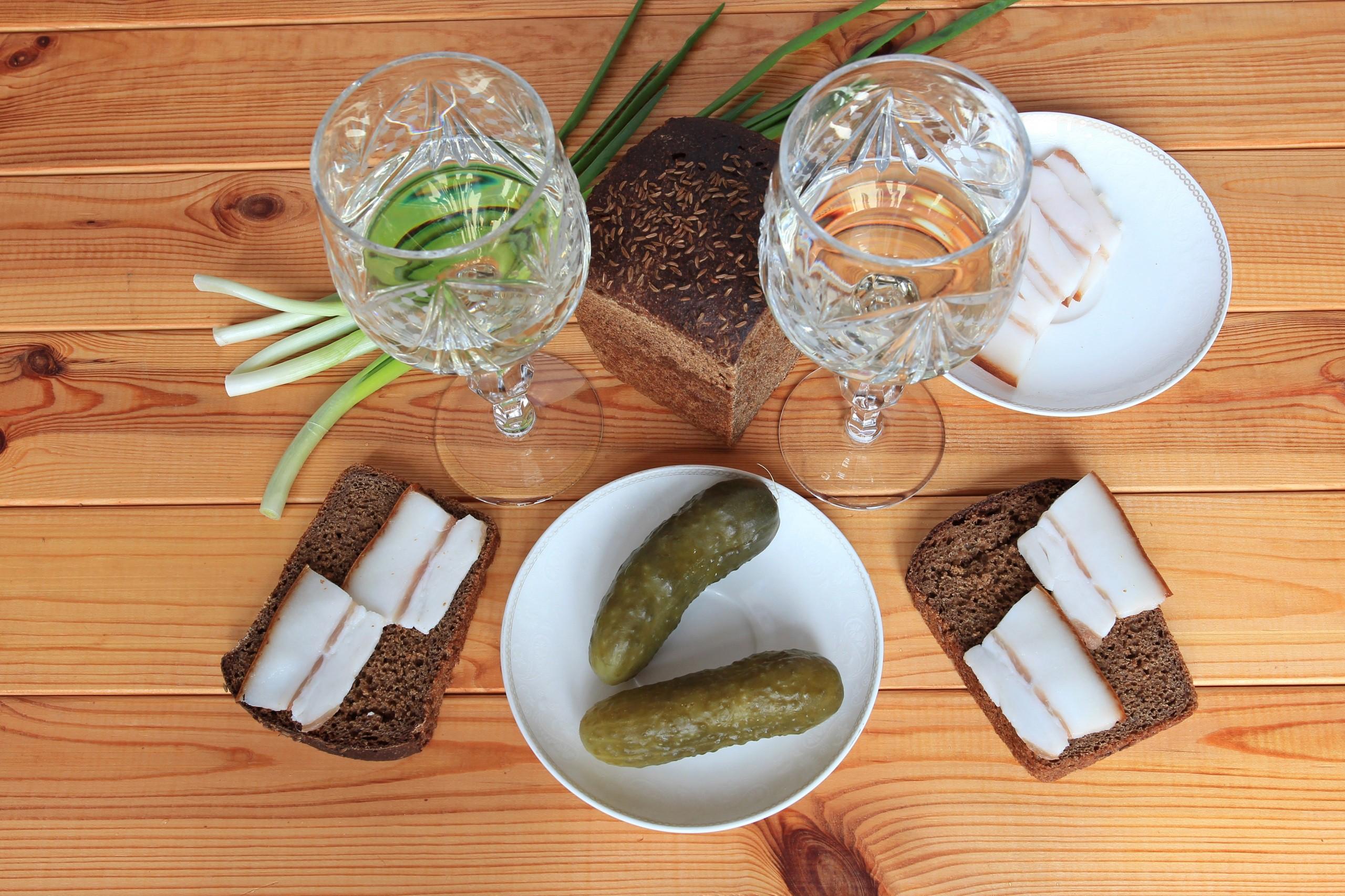 Пожелания, картинки рюмки с водкой и салом