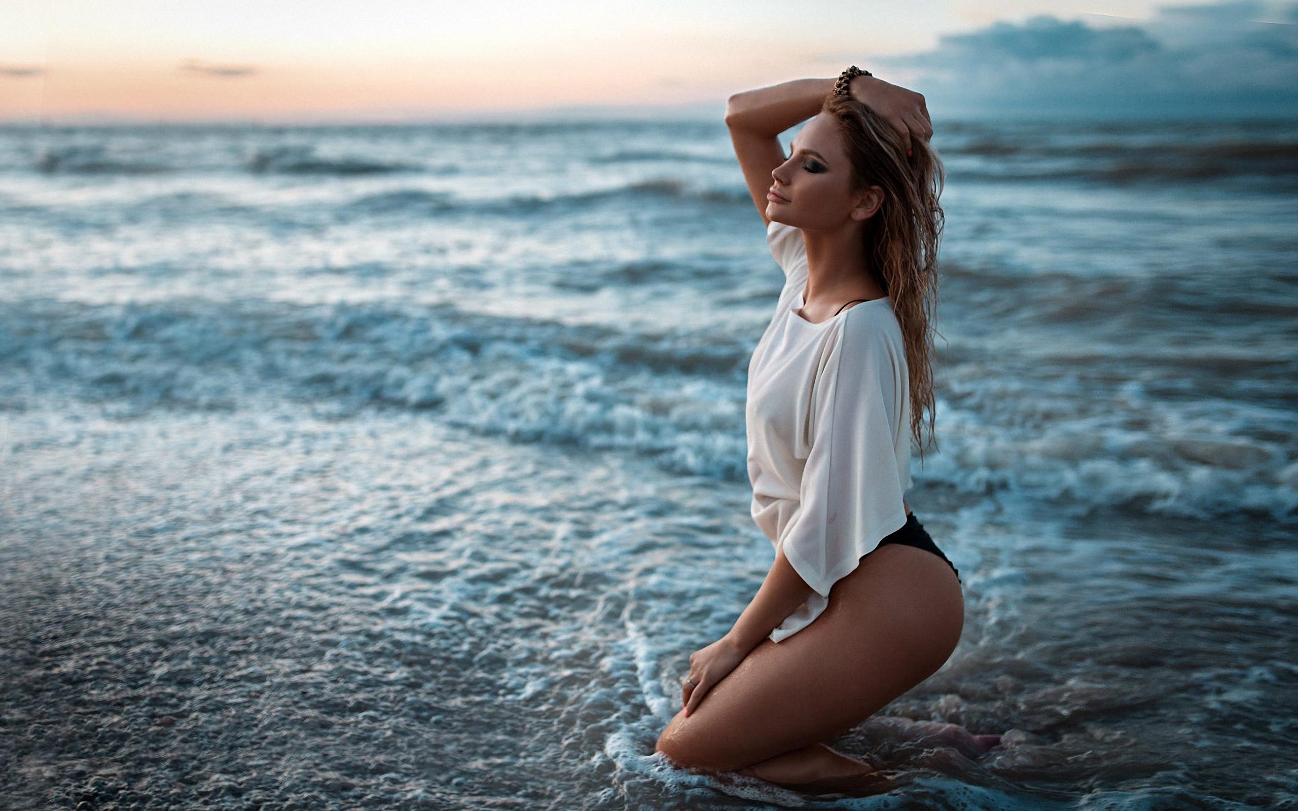 Позы на море в картинках