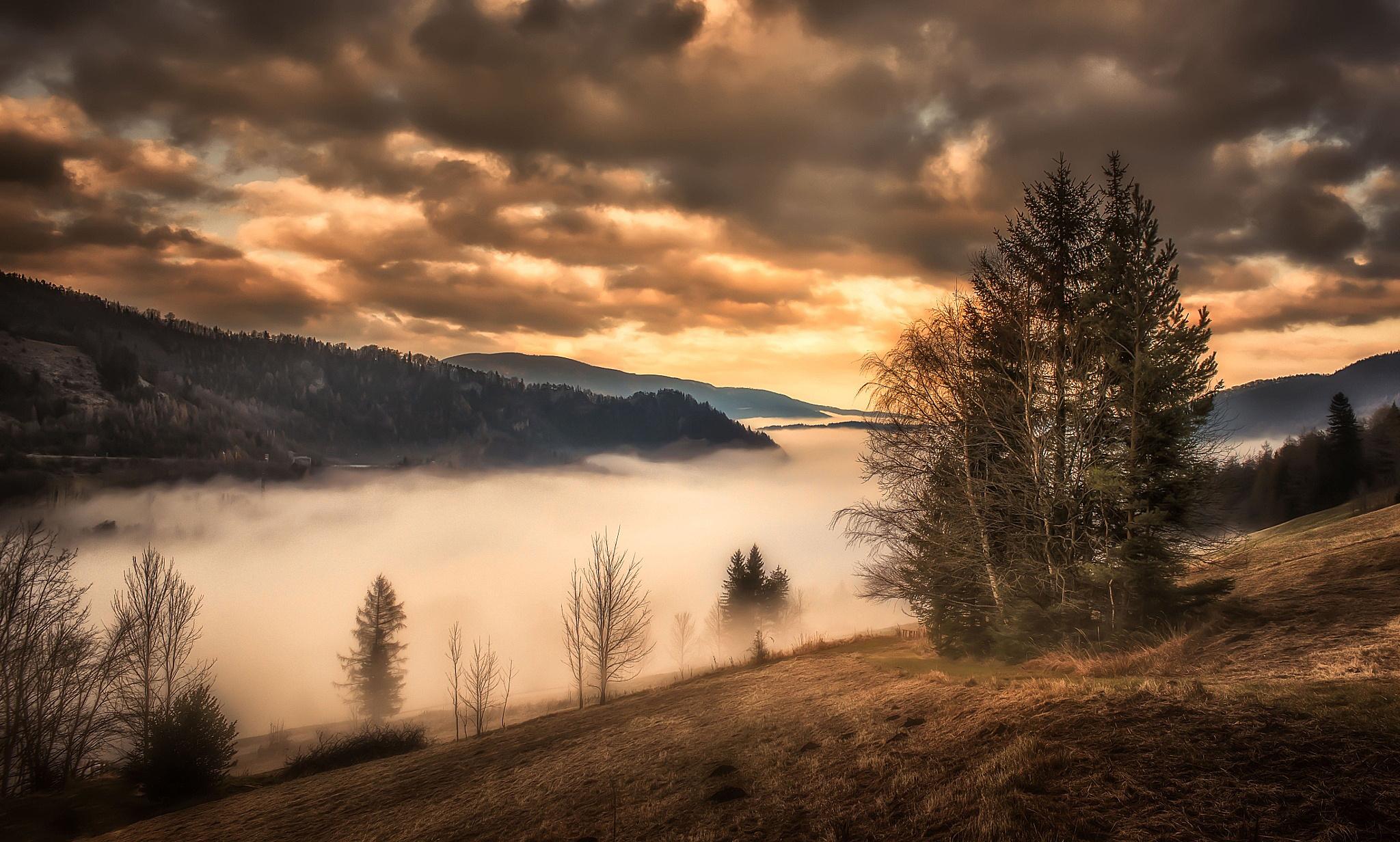 горы, закат, туман бесплатно