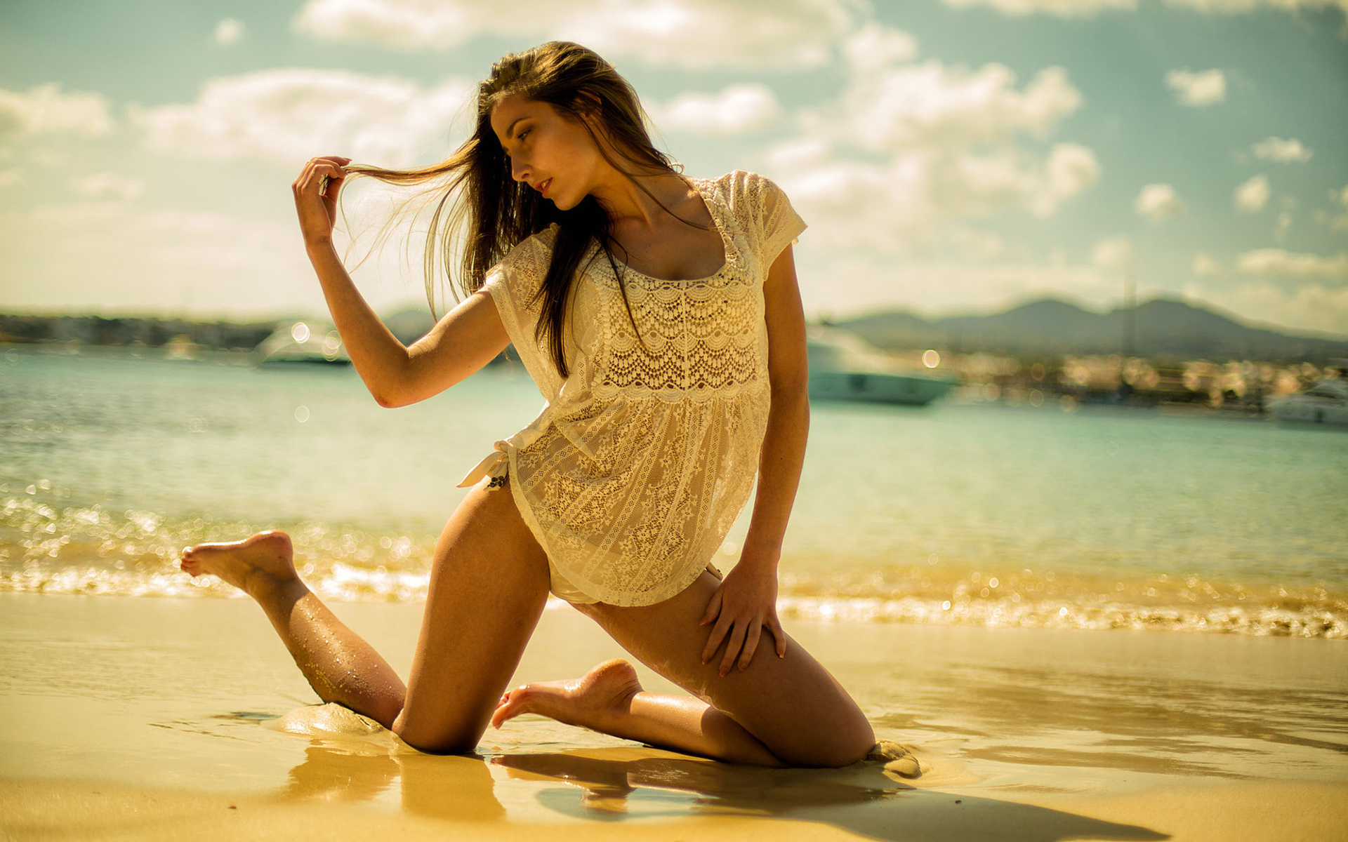 Фото девушек на фоне океана, Фото: Девушка на фоне океана 16 фотография