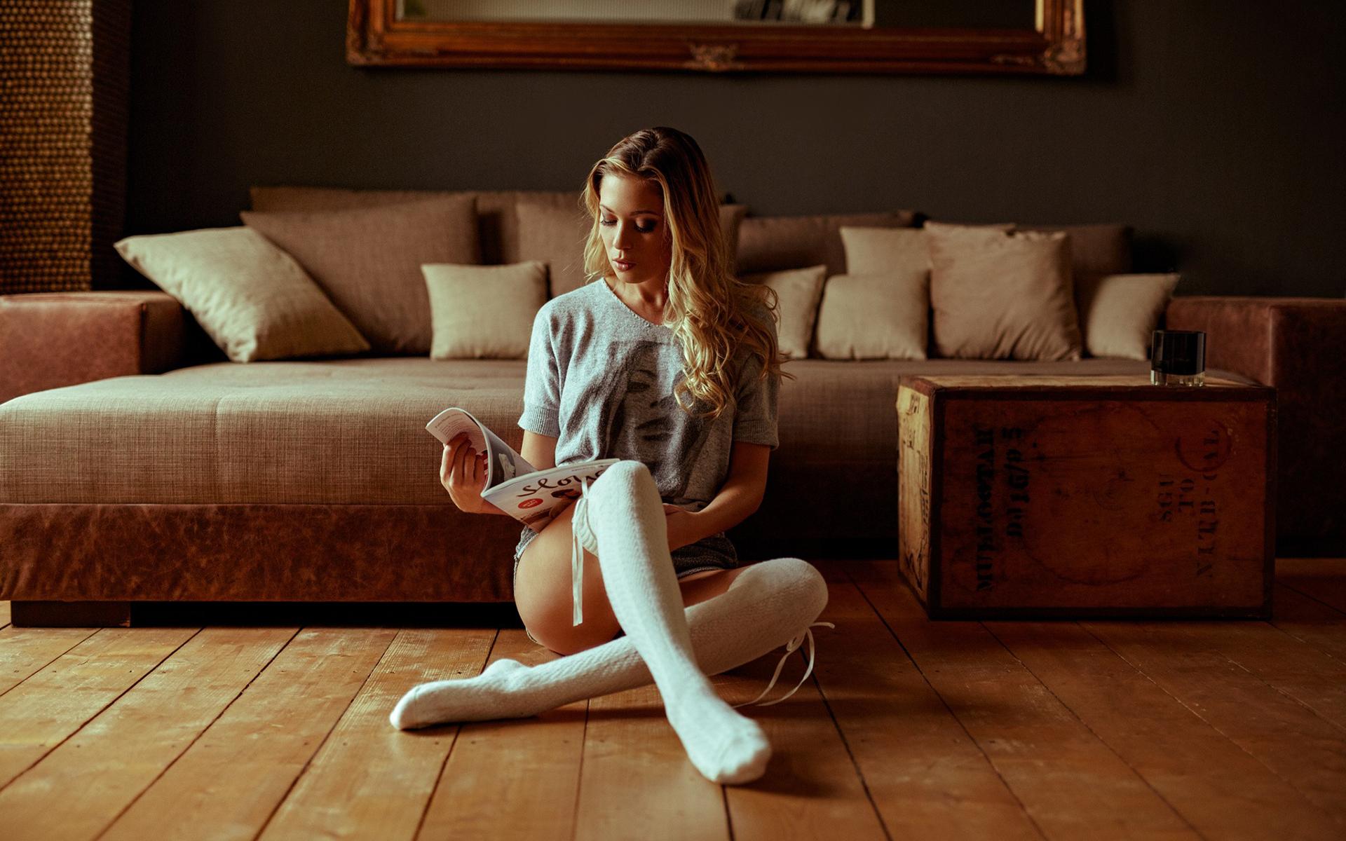 Блондинки в белых носках пиши