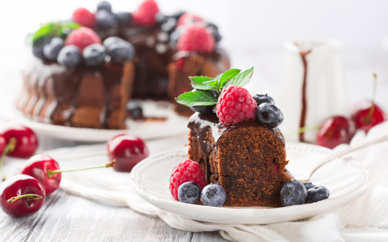 Пирожные с ягодами картинки