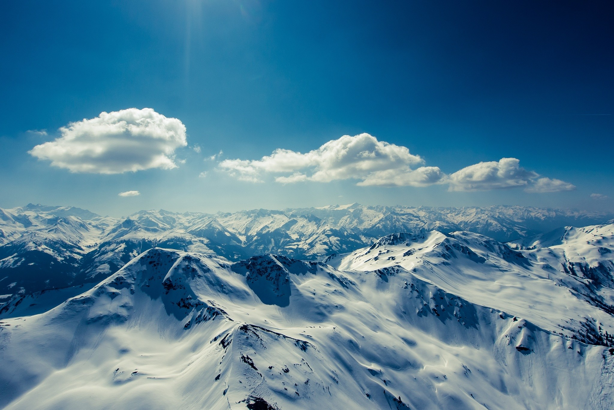 Картинка облака и горы