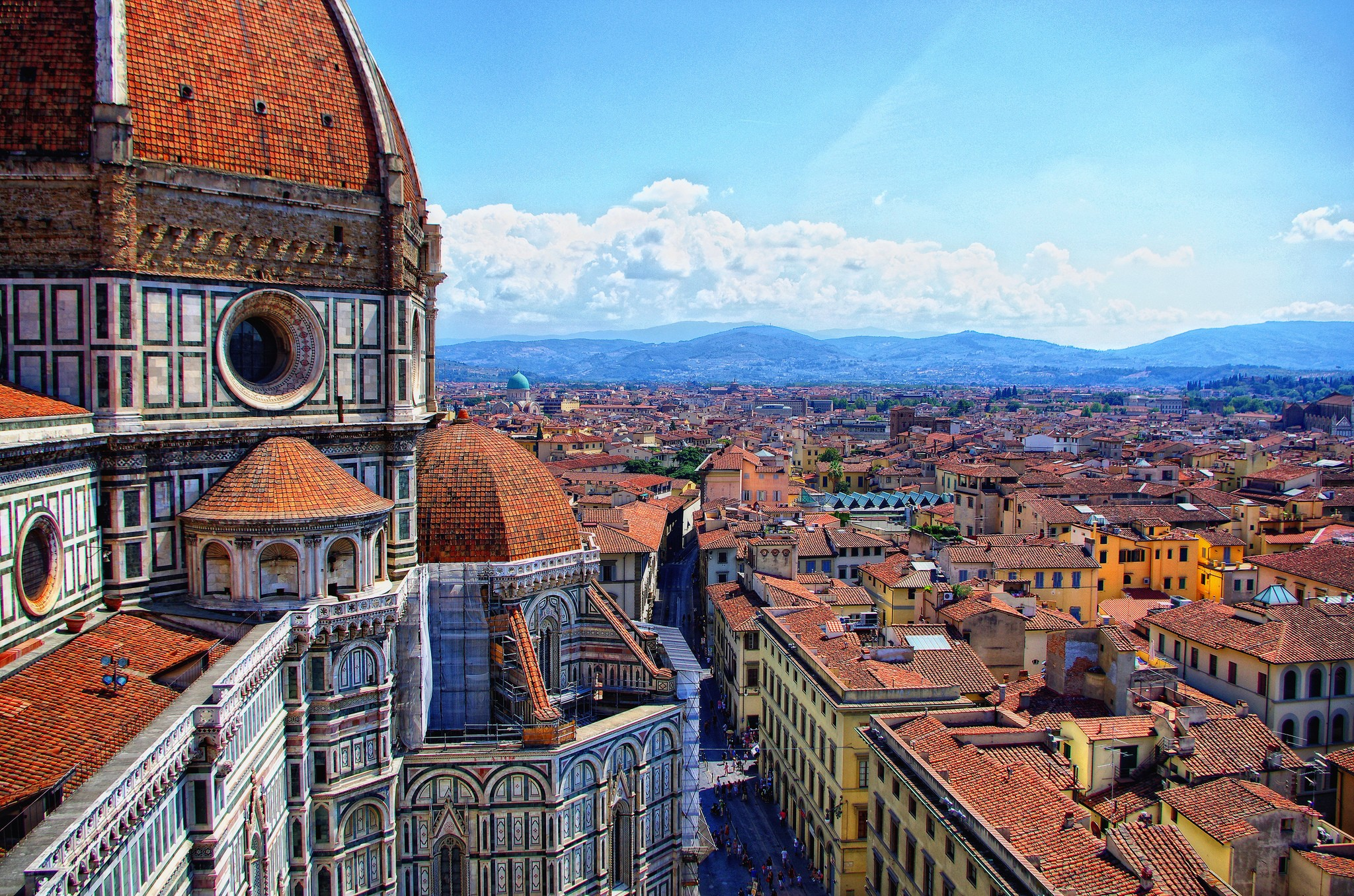 a look at history and life in the renaissance city of florence Renaissance florence is broken into six chapters: the renaissance city, the economy, the patricate, politics, the church and the faith and culture, with an epilogue the last years of the republic.