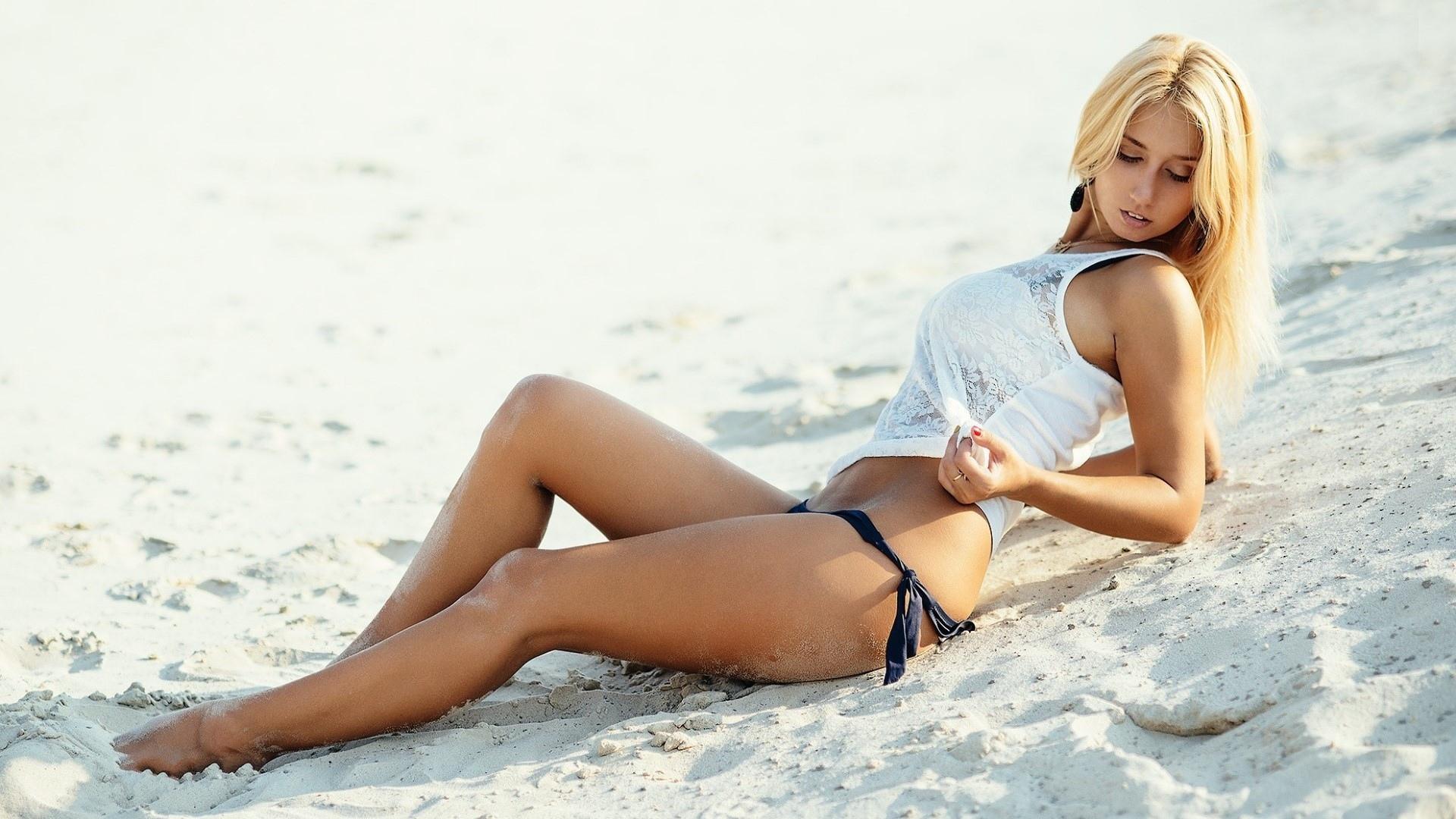 вот пляж девушки фото яички плохо