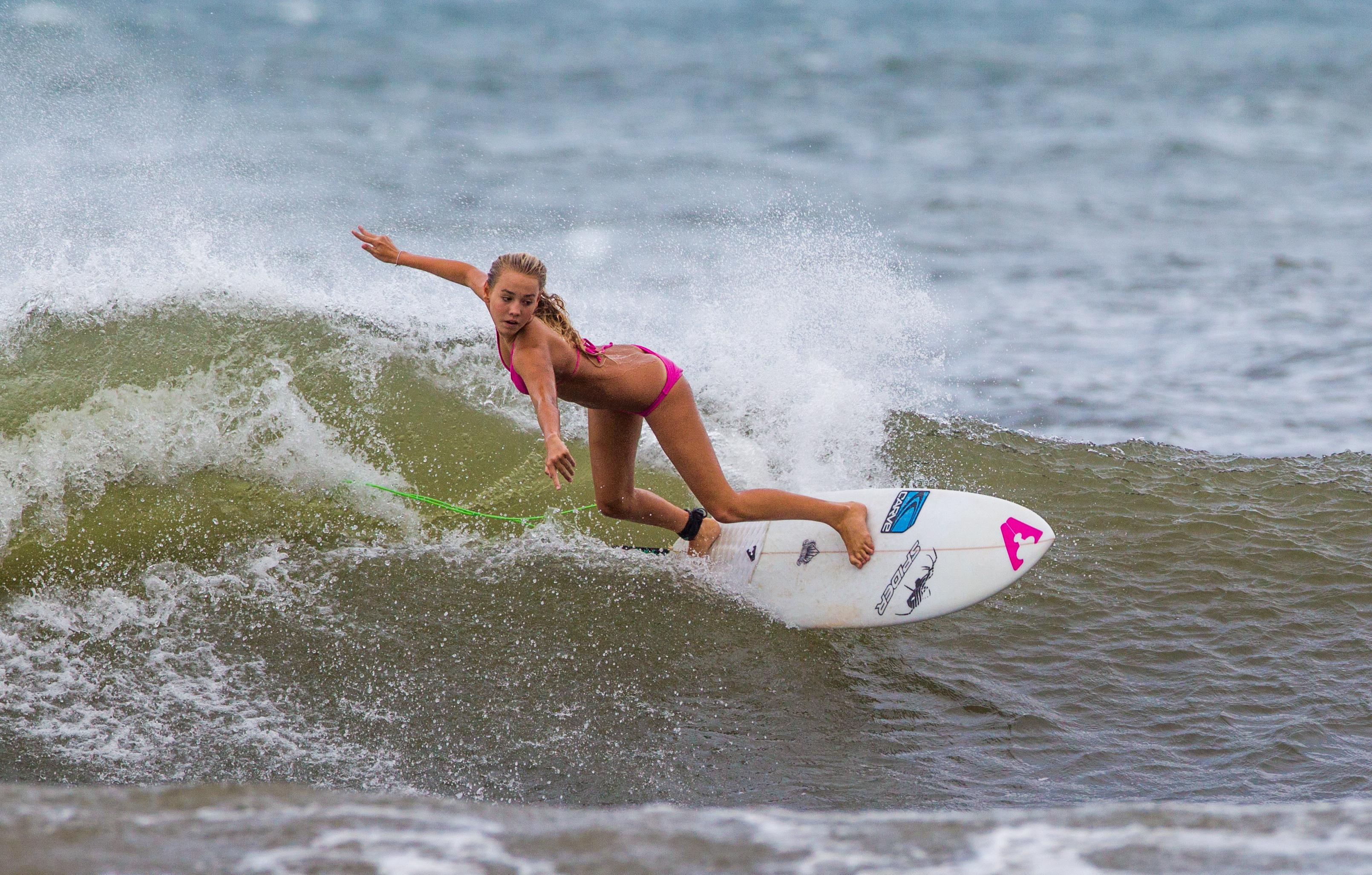 Bikini wakeboarding wallpaper — pic 13