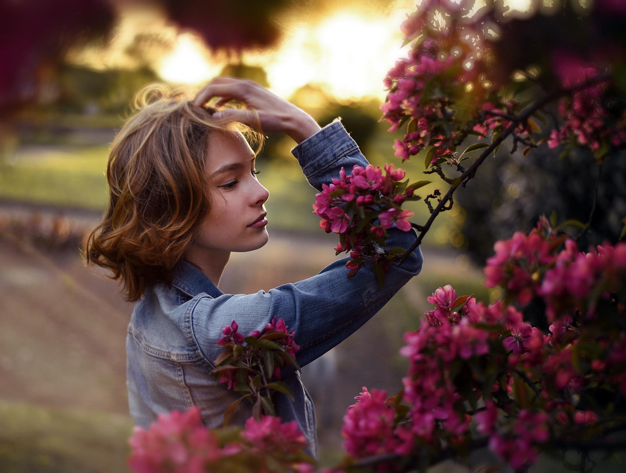 Картинки красивые девушки в саду