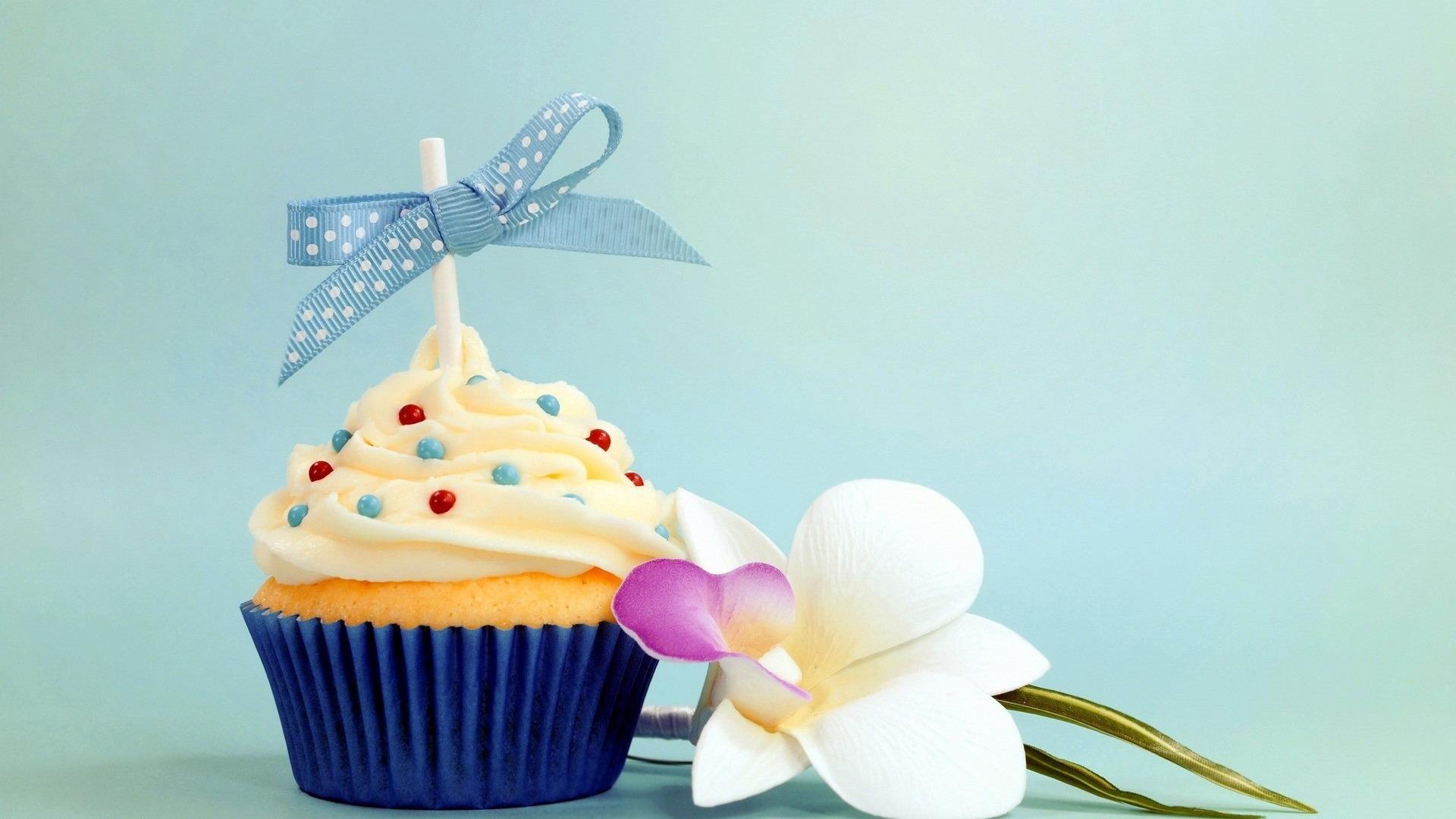 Открытки с днем рождения кекс