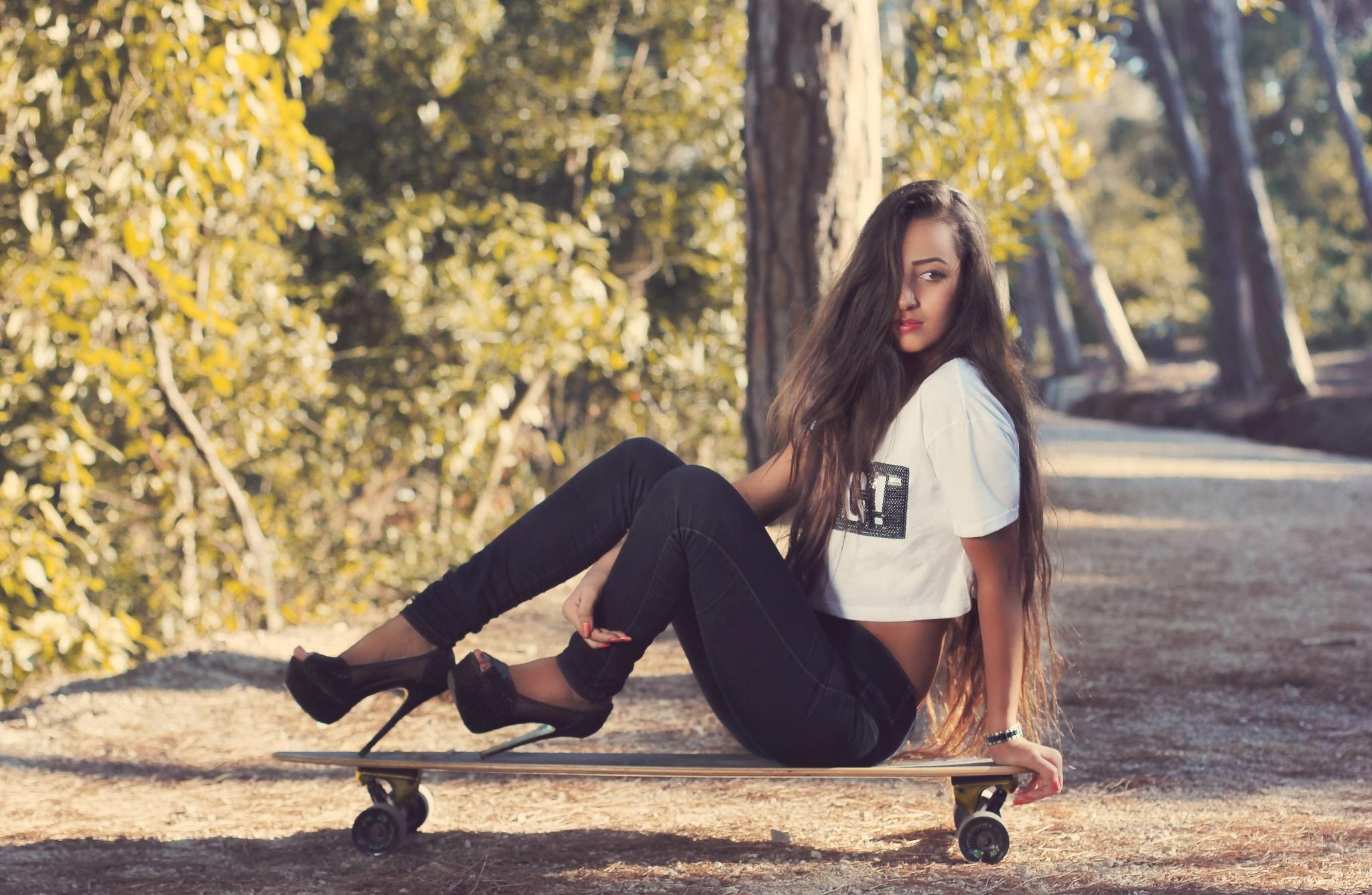 сегодня первый фото девушек в джинсах и на каблуках нравится мой стиль
