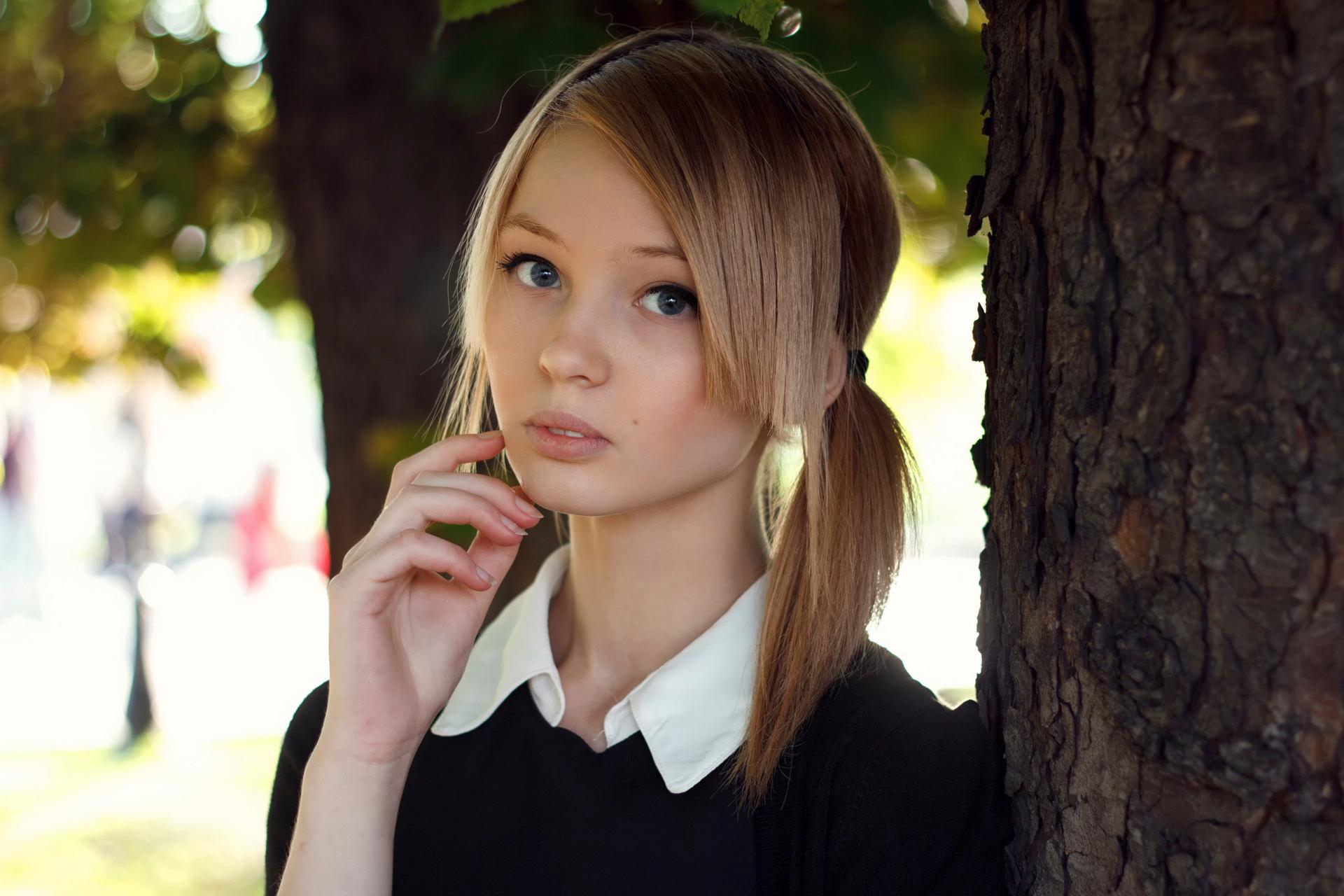молодая красивая девчонка отобрали самые