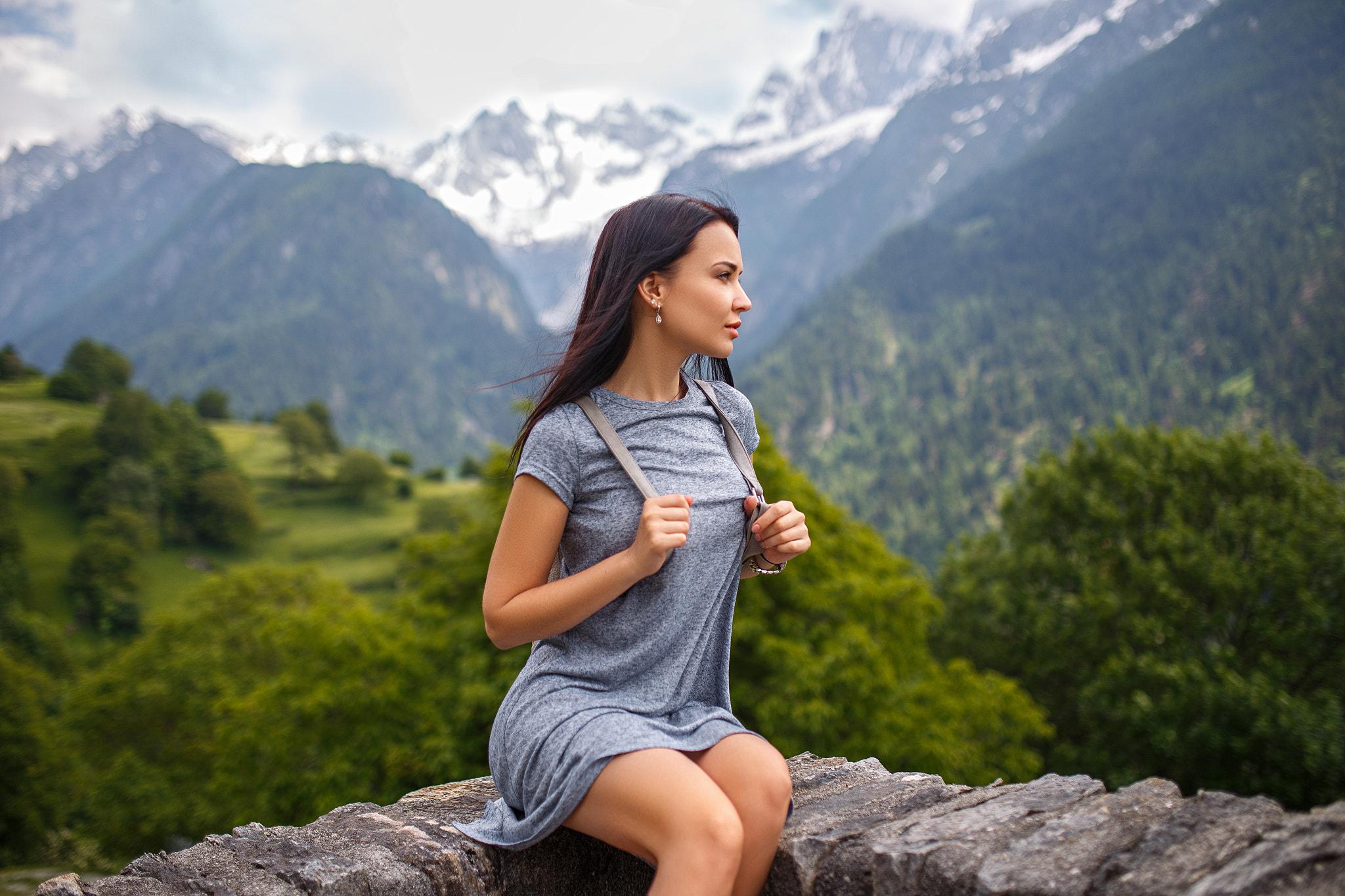 Девушки в горах