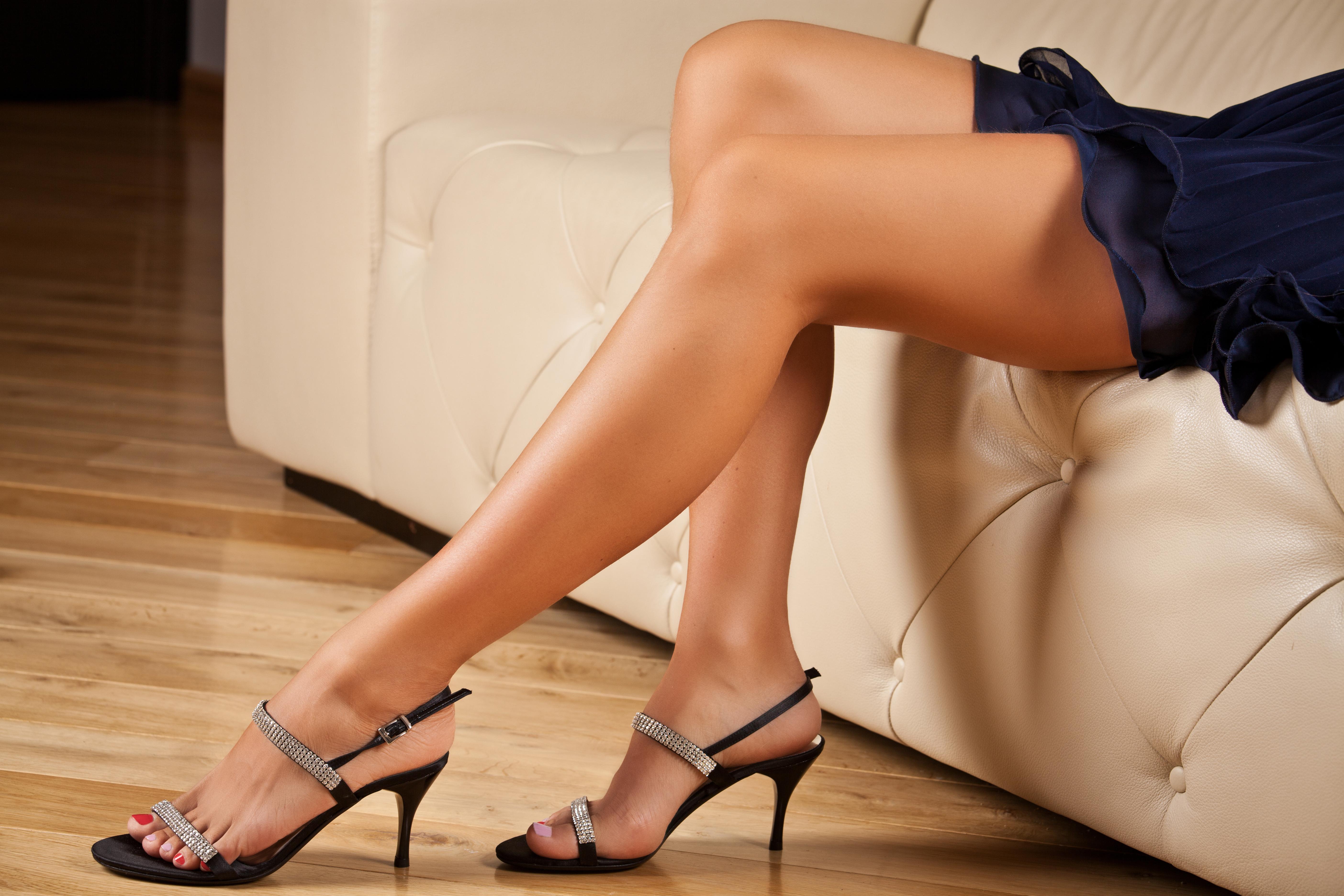 prostitutka-kiev-samie-krasivie-zhenskie-nogi-foto-porno-vizivaet-santehniku