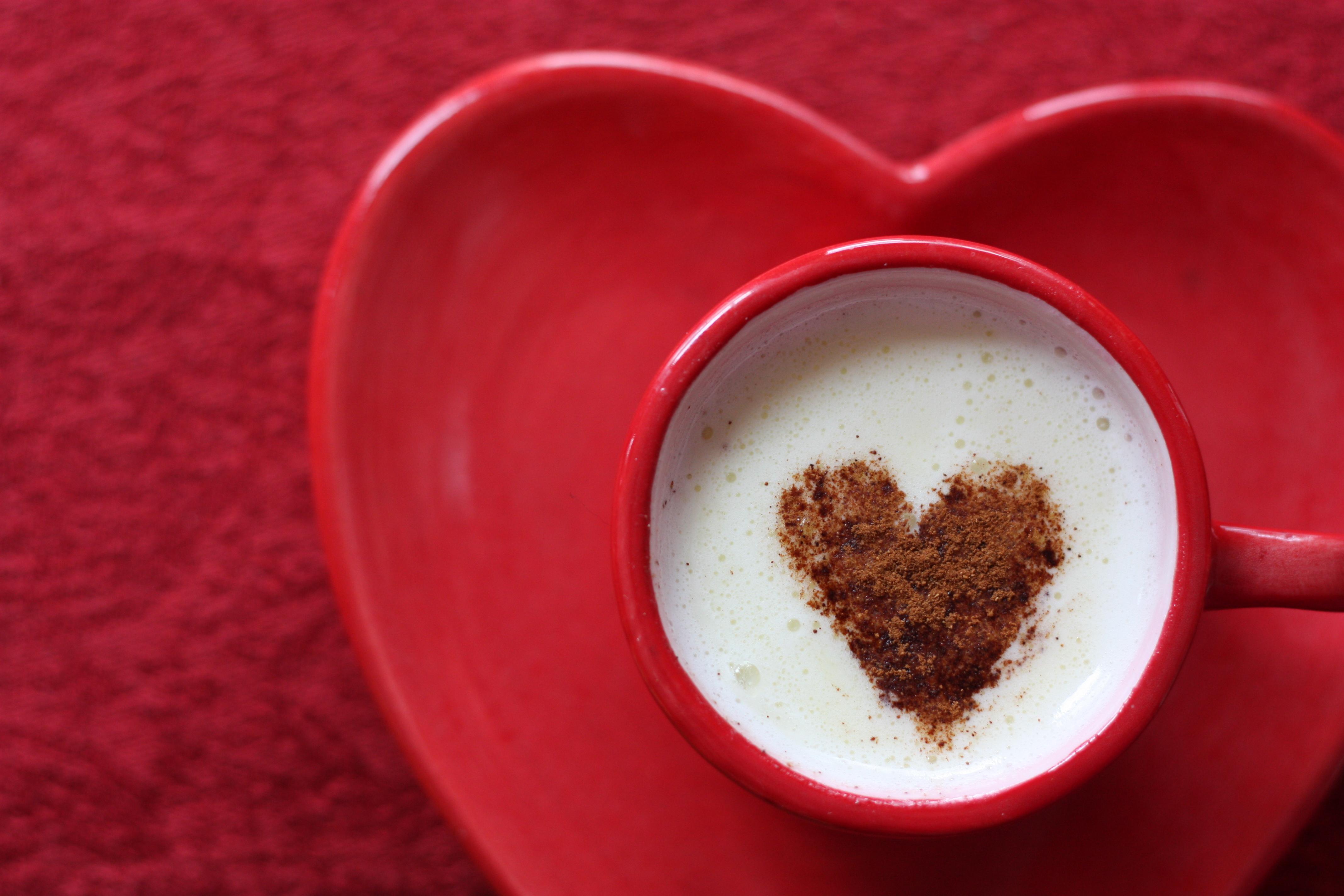Картинки кофе с сердечками, открытки дню