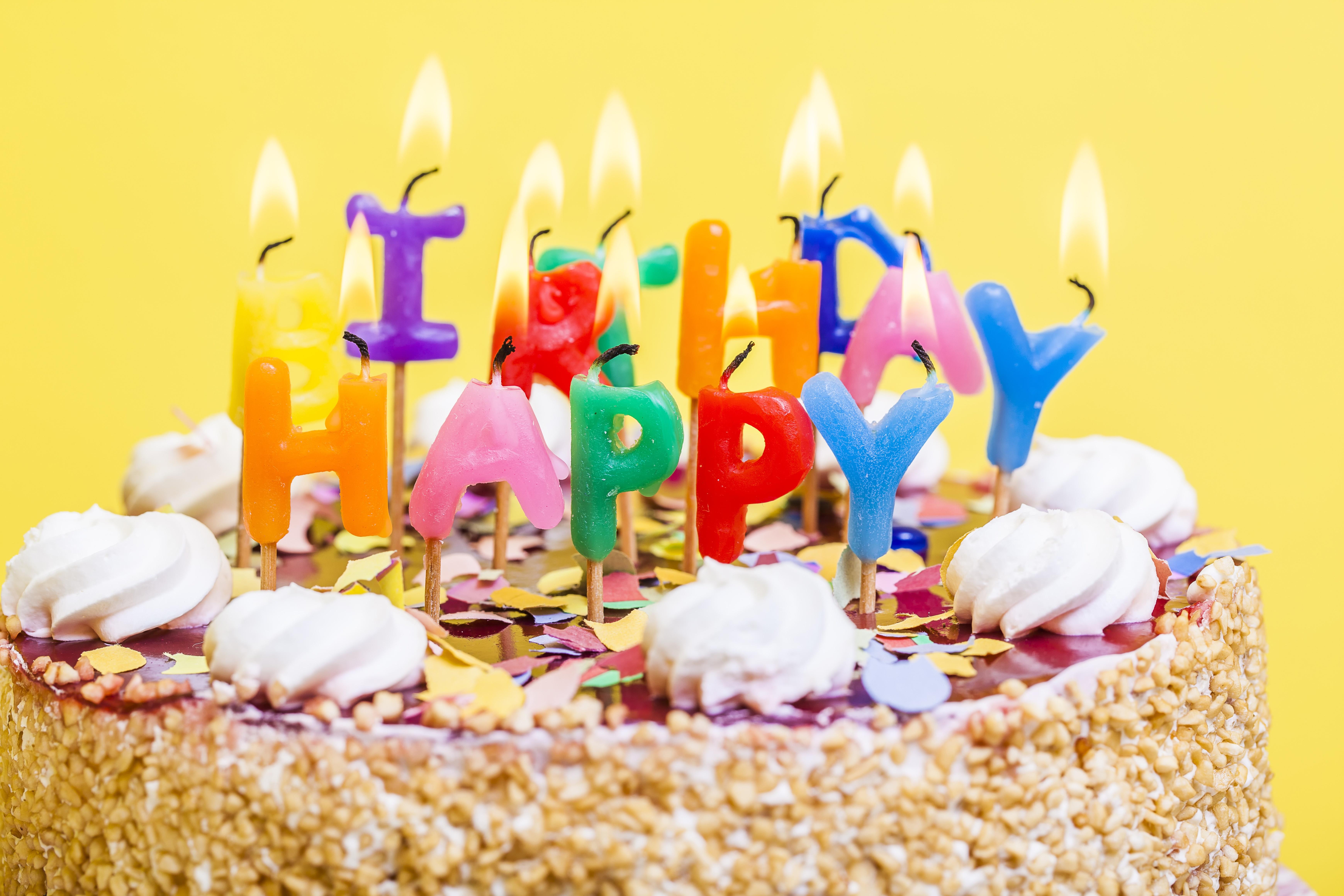 Дню, сказочные открытки с днем рождения торт свечи