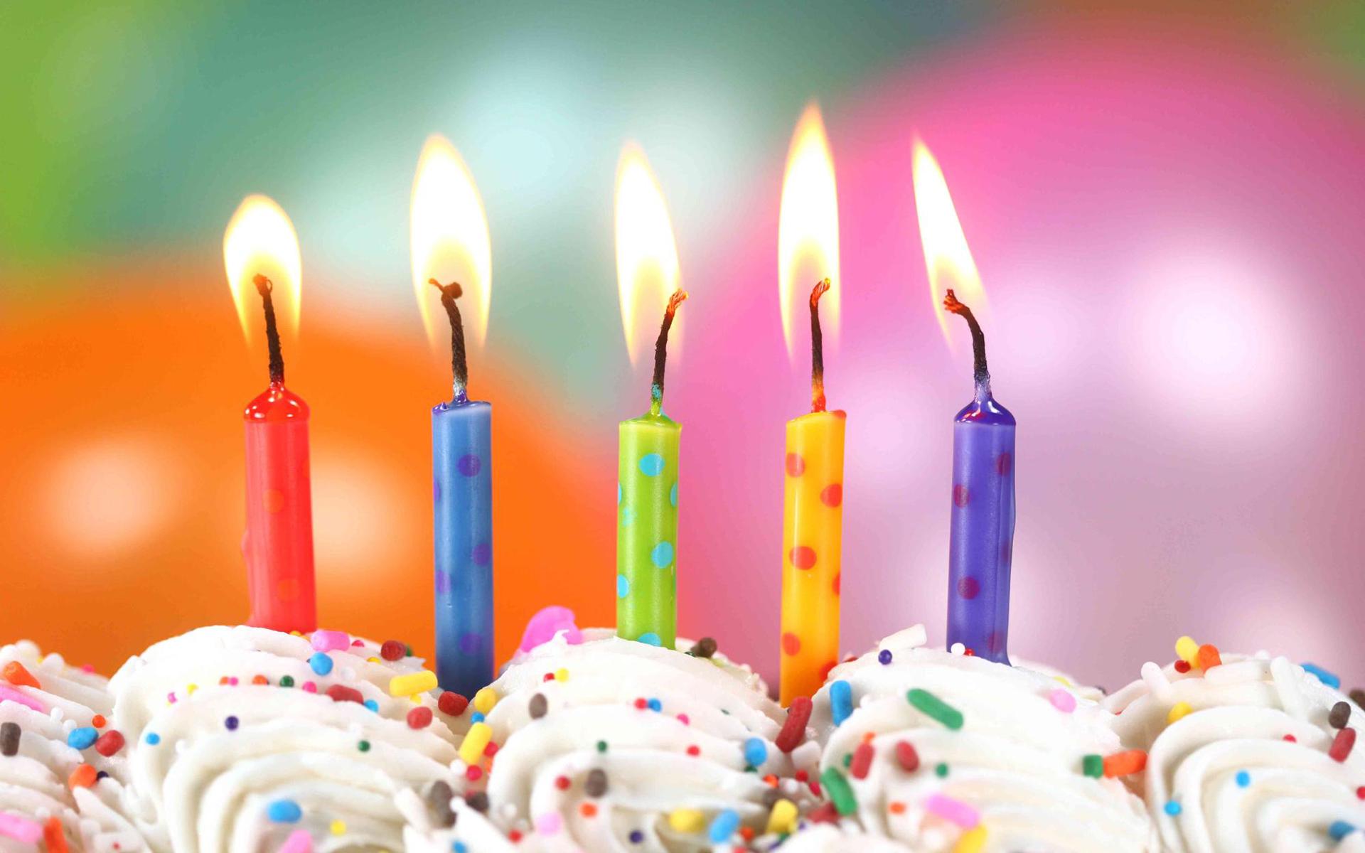 появились картинки с днем рождения торт со свечами и шарами буксира буквально замерял