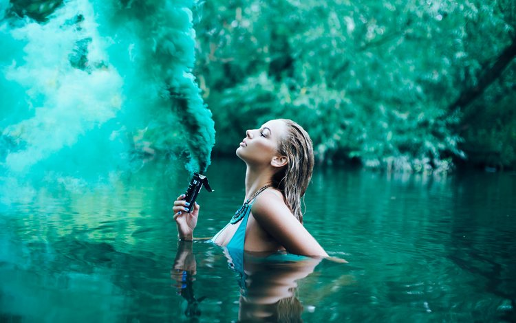 Как сделать дым на воде